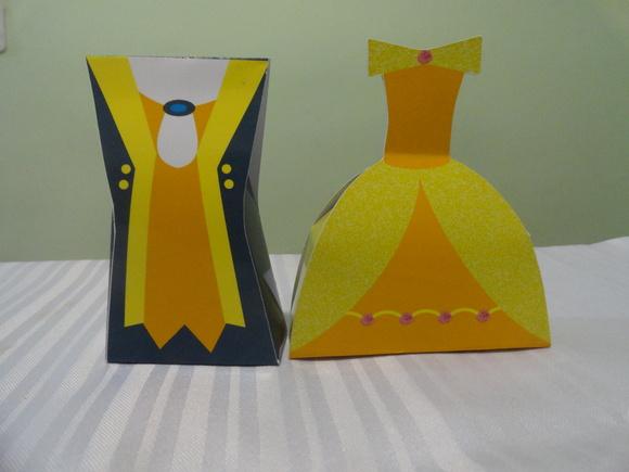 Caixa Vestido e Uniforme - Bela e a Fera