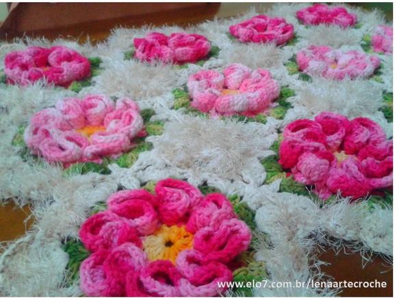Decoração > Tapete de Barbante > Tapete Jardim c flores rosa e pink
