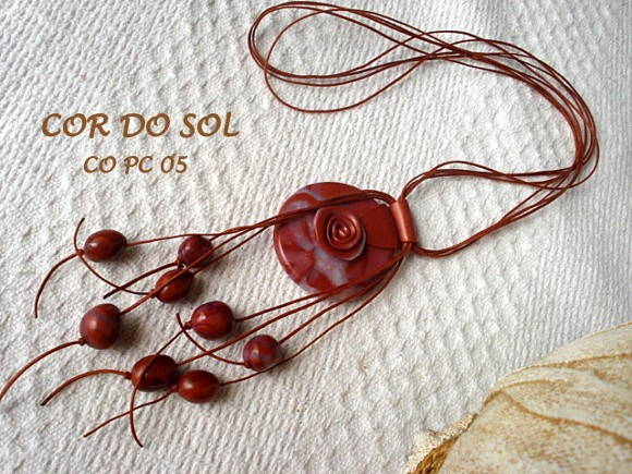 Colar em cer�mica pl�stica CO PC 05