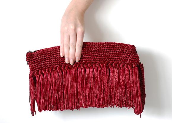 Bolsa De Mão Feita De Croche : Bolsa carteira de croch? com franjas bordado studio elo