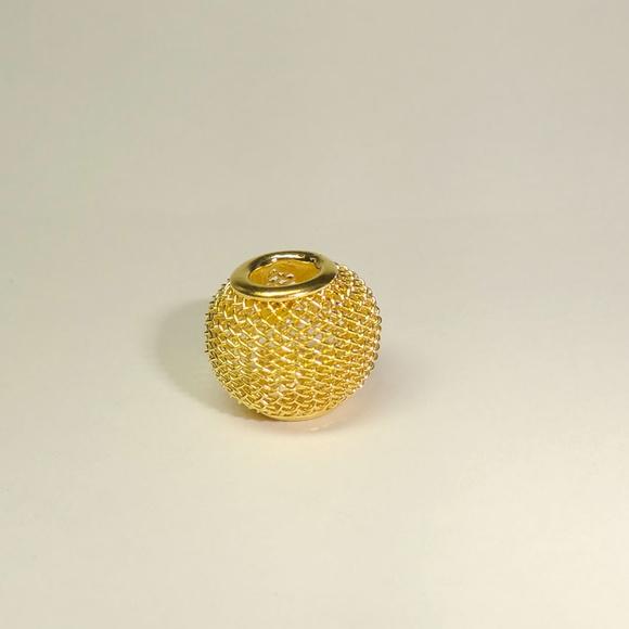 Berloque Malha Dourada- Pandora Inspired | Se Joga Joaquina | Elo7