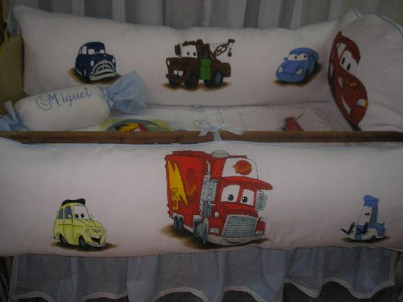 KIT DE BER�O CARROS DISNEY