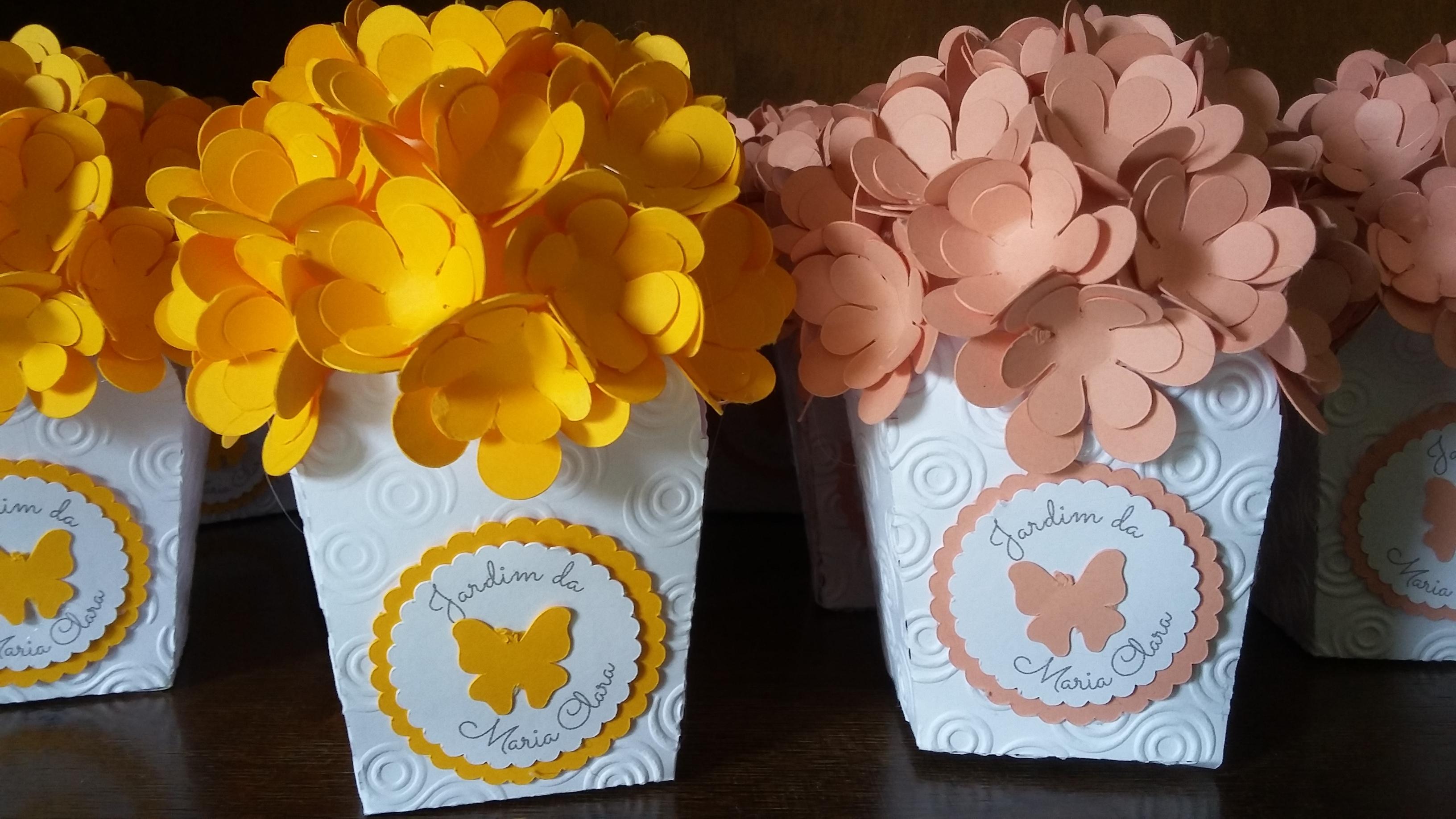 Cachep com flores de papel fofo doce elo7 - Centros de mesa de papel ...