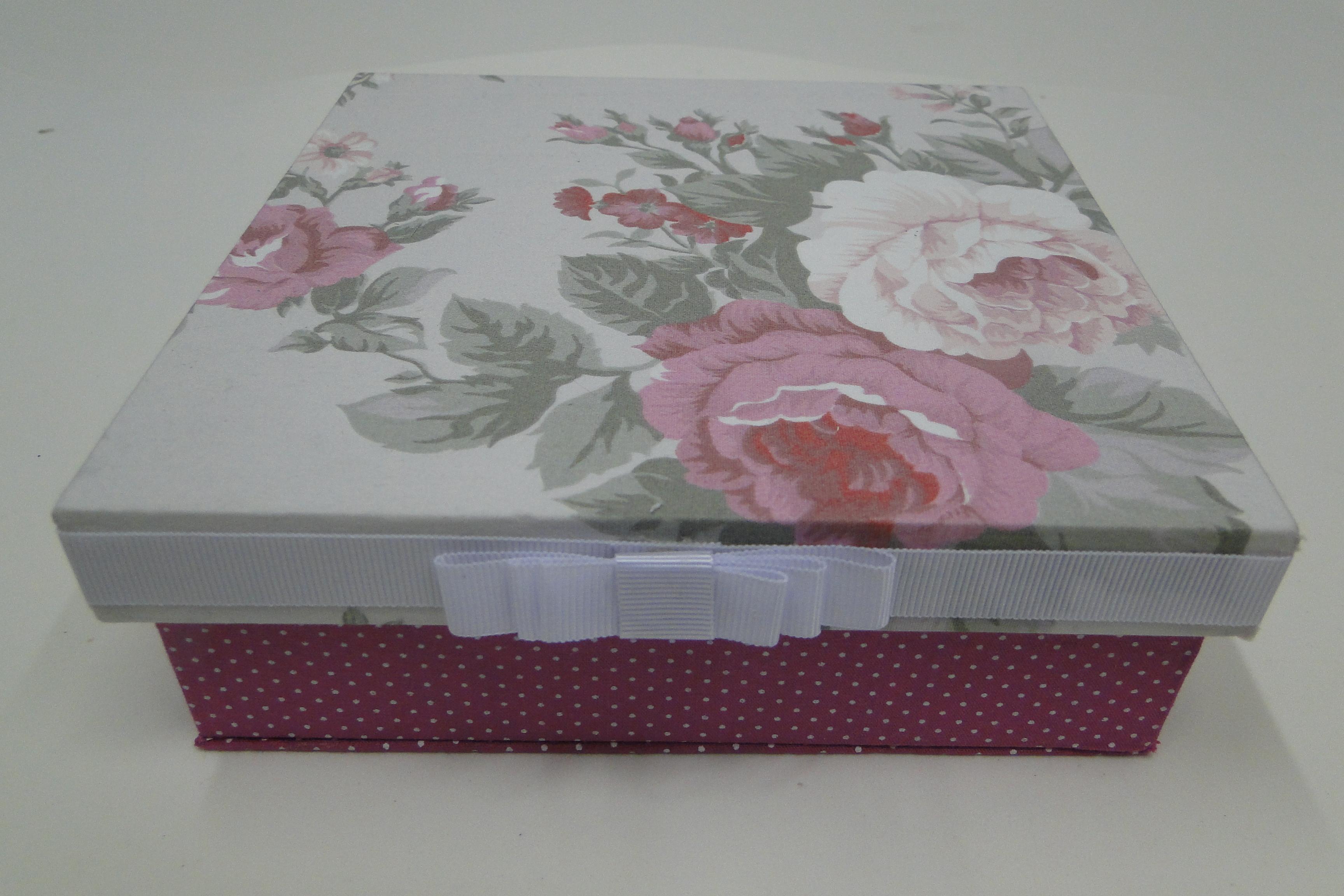 Pin Caixa Decorada On Pinterest Altered Boxes Decoupage Box And  #4B2835 3456x2304