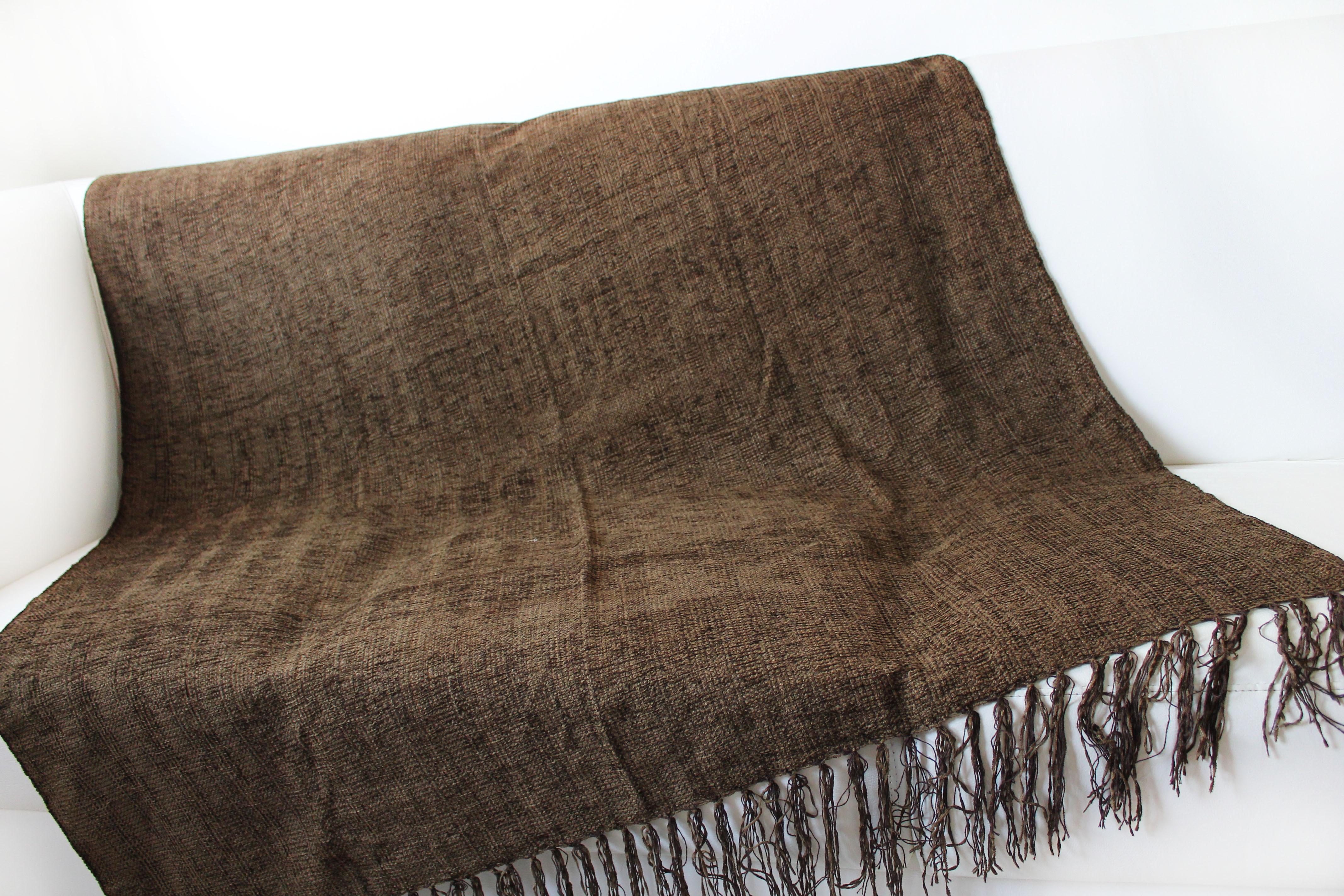 Manta para sof chinille marron artesanato teares de for Mantas para sofas