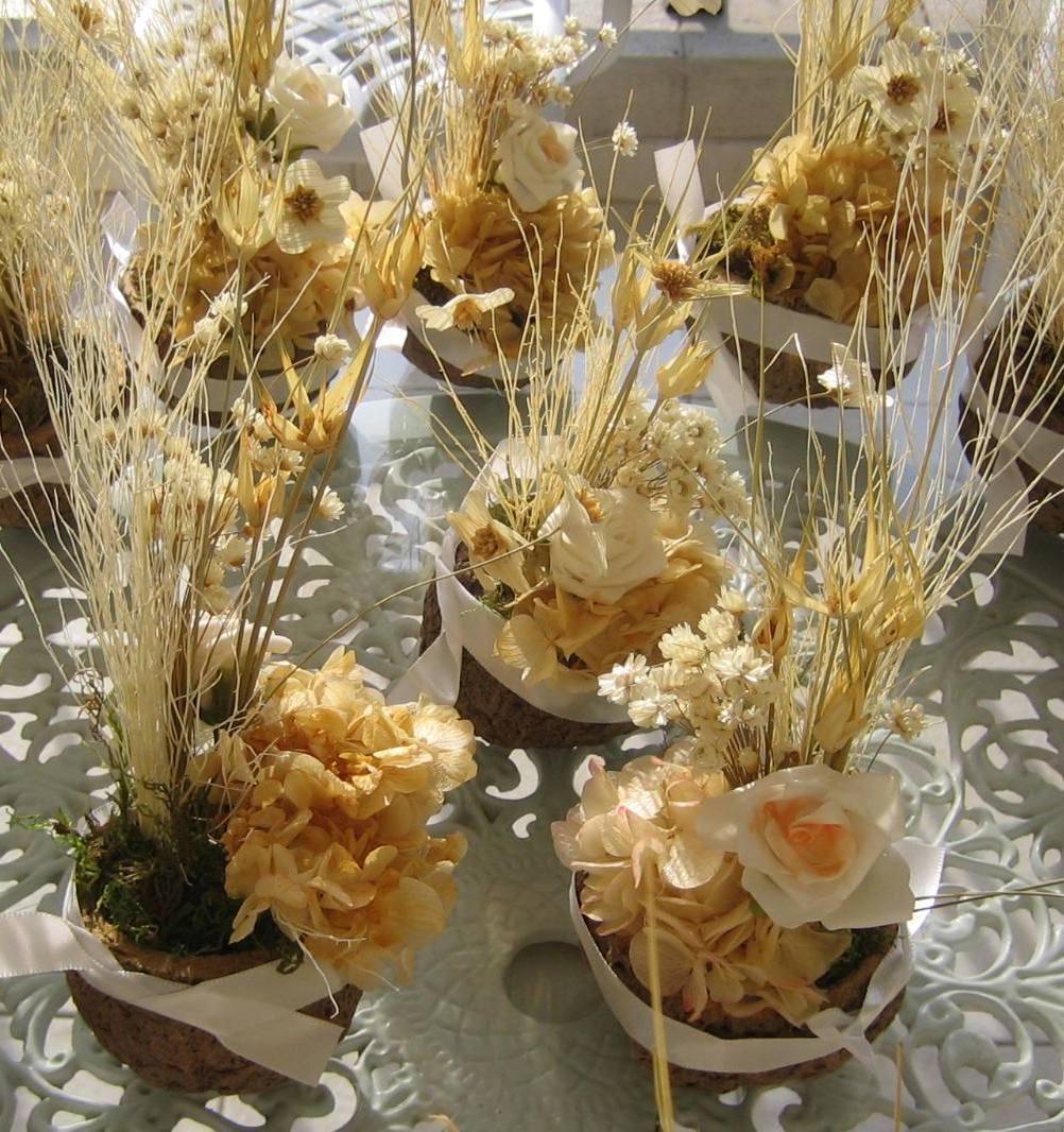 Arranjos florais em latas! | Artesanato & Humor de Mulher