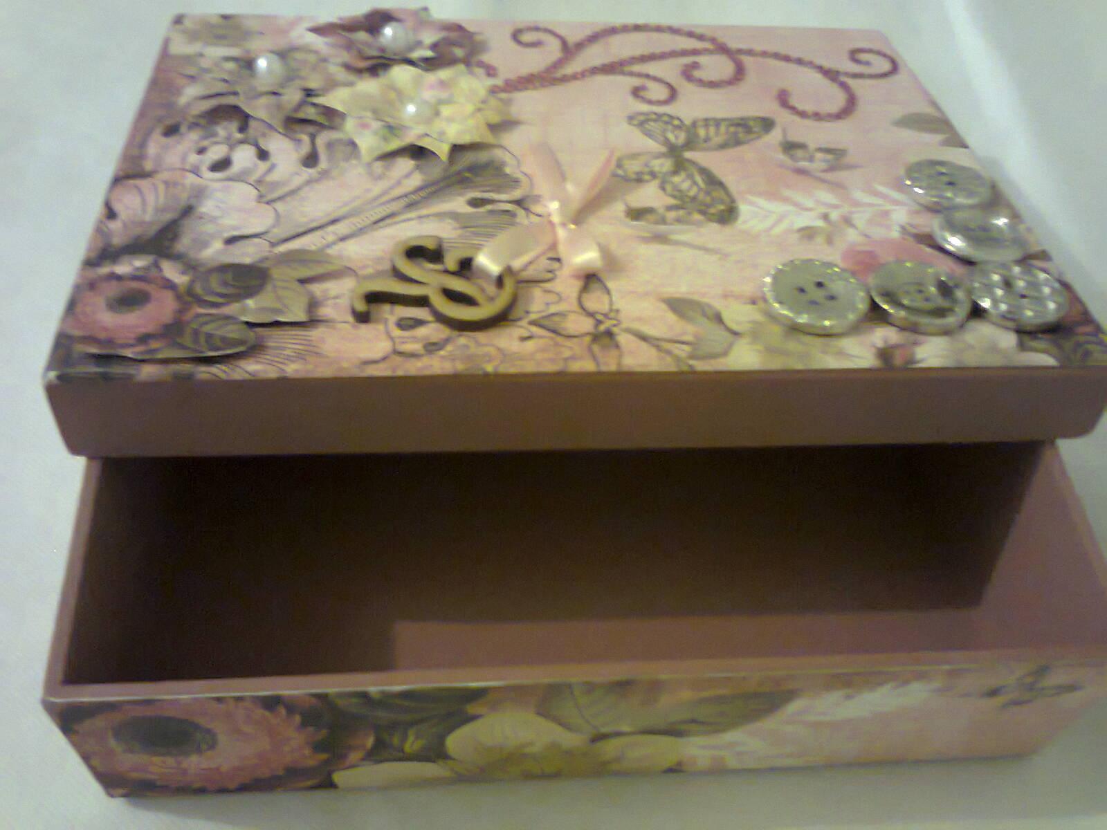 Caixa de madeira em scrapbook Caixa de madeira em scrapbook Caixa de  #33271C 1600x1200