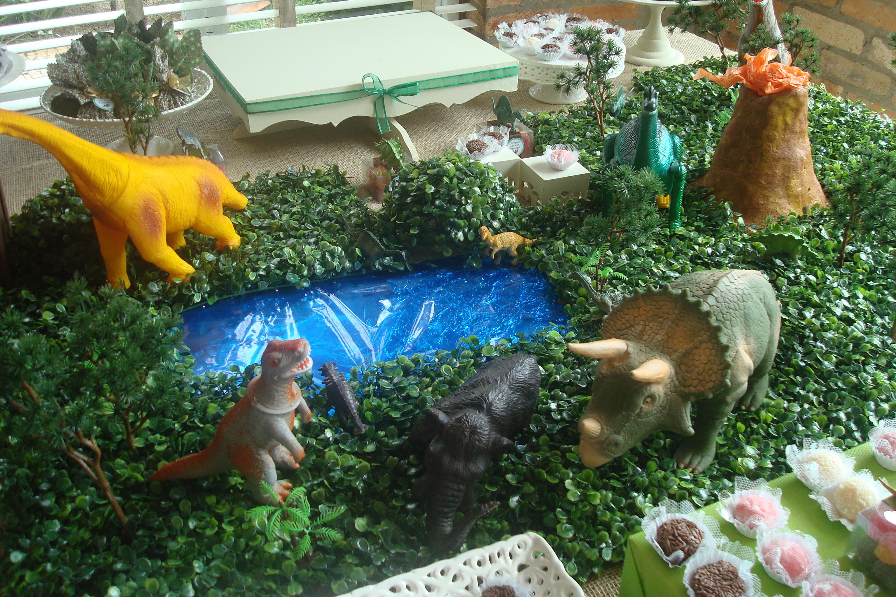 Decoraç u00e3o de mesa tema Dinossauros Caramelada Decorações Elo7 -> Decoração De Mesa Festa Dinossauro