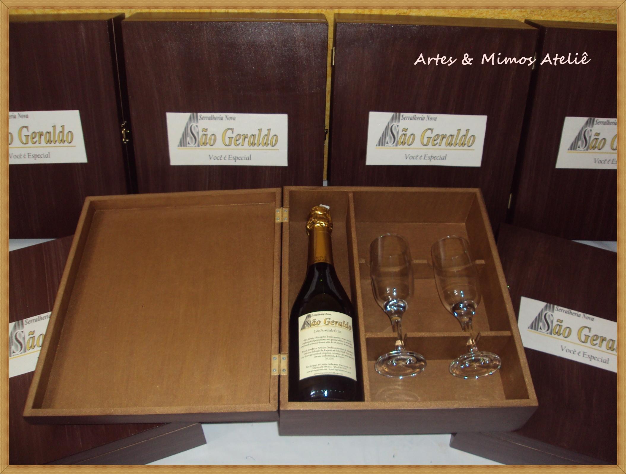 Caixa para vinho e taças Artes e Mimos Ateliê Vanessa Bruno Elo7 #926F39 2110x1598