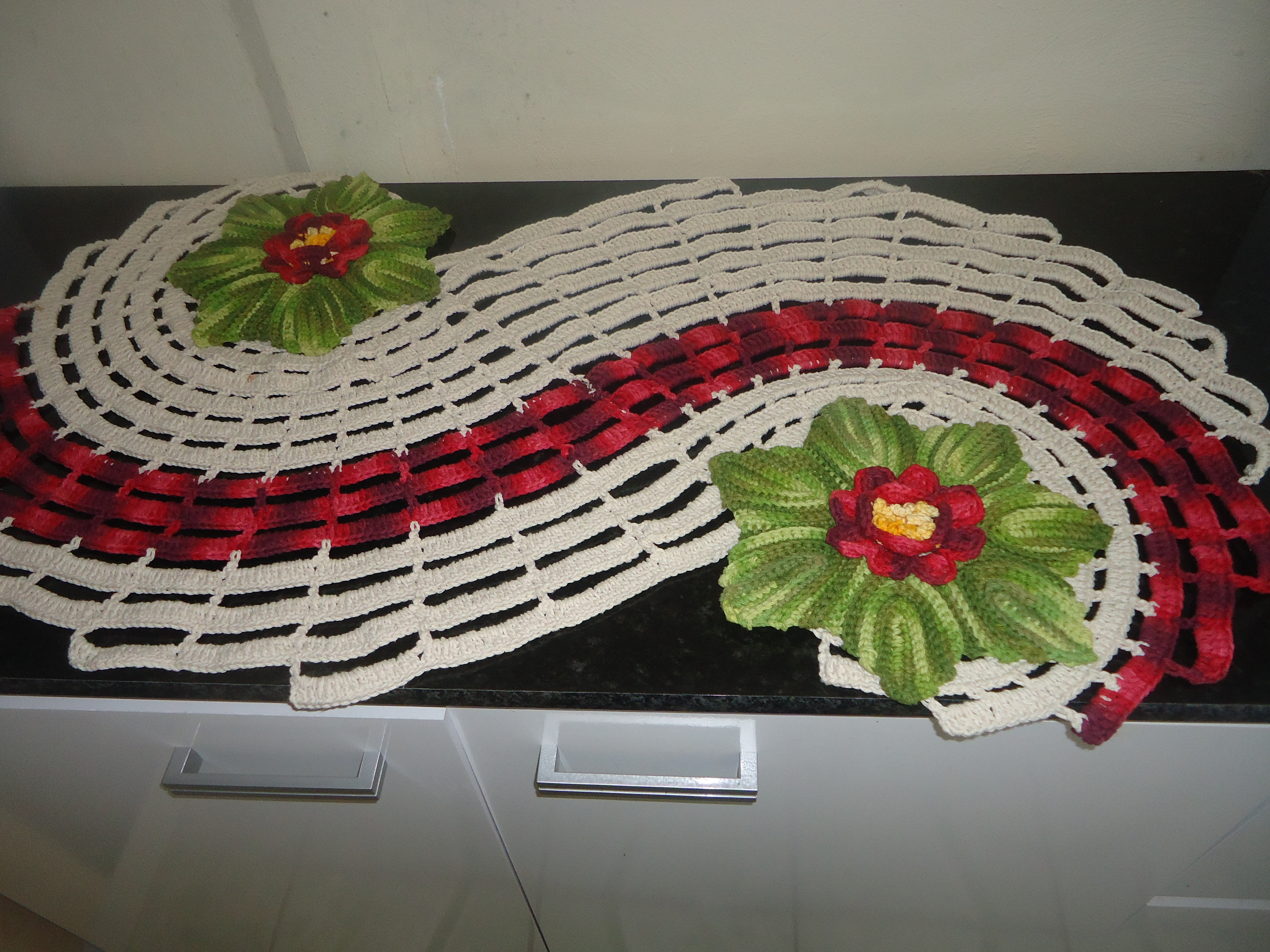 Caminho mesa ou tapete espiral edina nekipa croche elo7 for Tapete mesa
