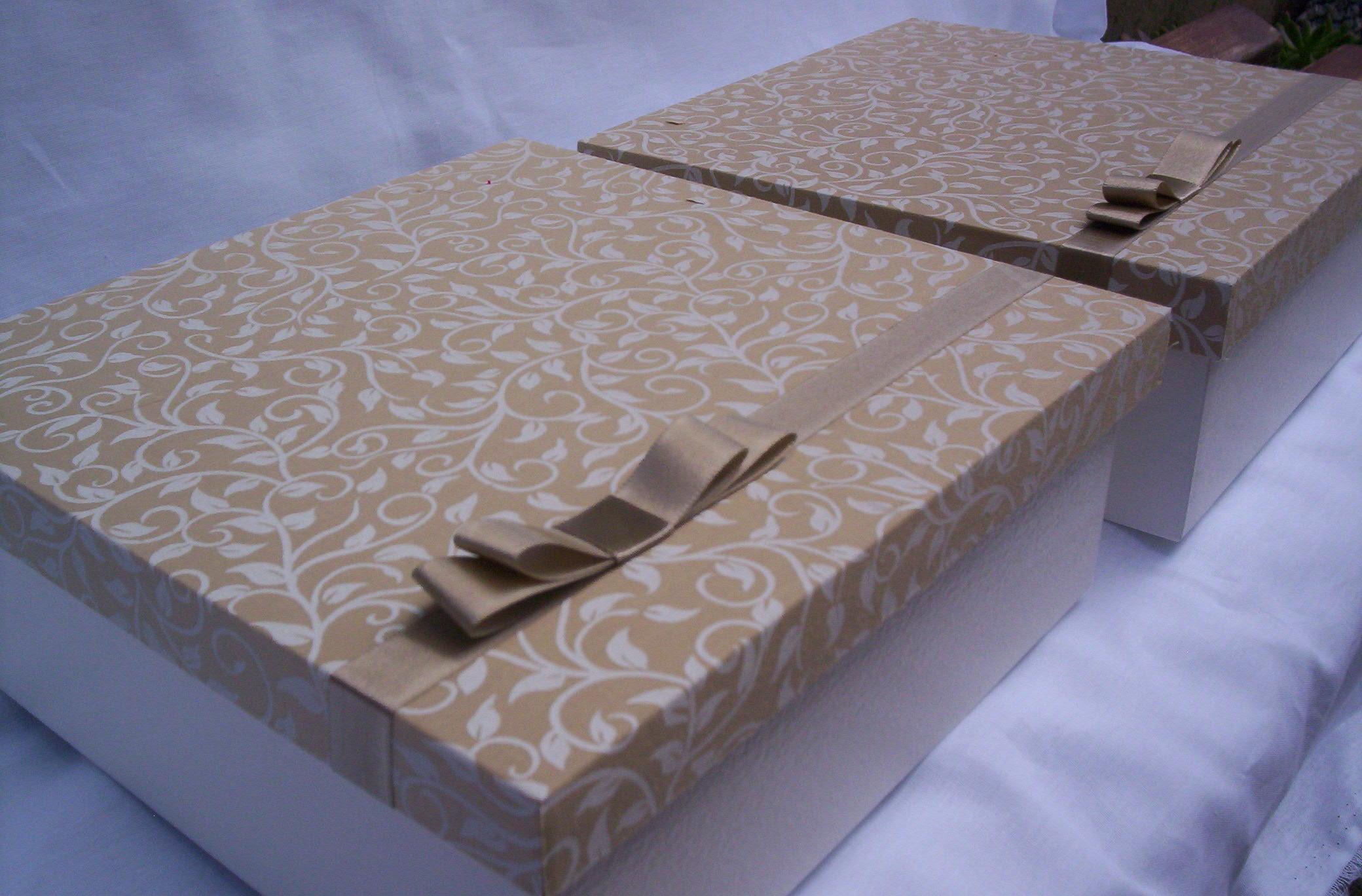 Caixa para mini chandon e duas taças Caixa para mini chandon e duas #40478B 2080x1368