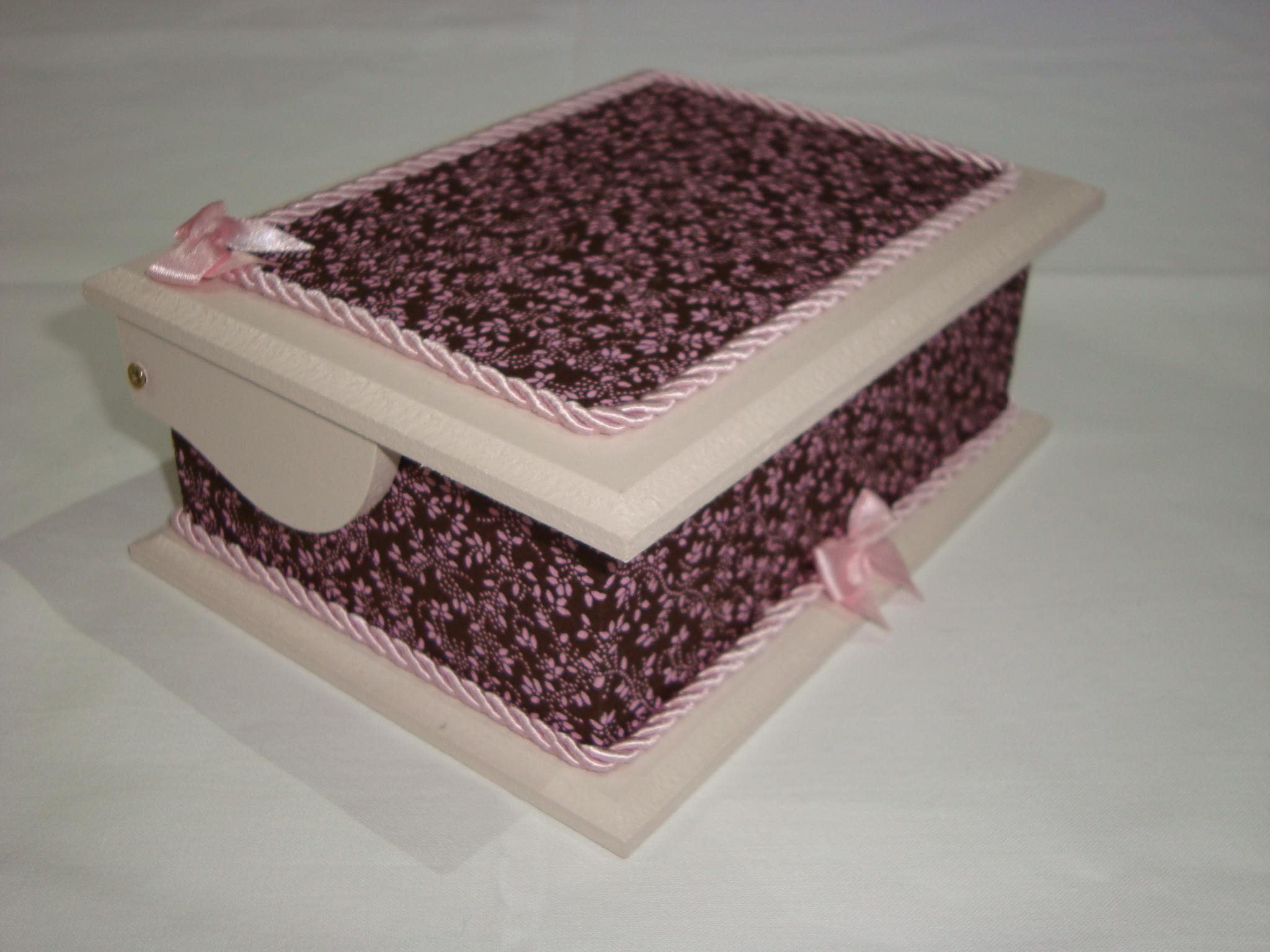 tecido caixa de madeira decorada com tecido caixa de madeira decorada #3B2424 2048x1536