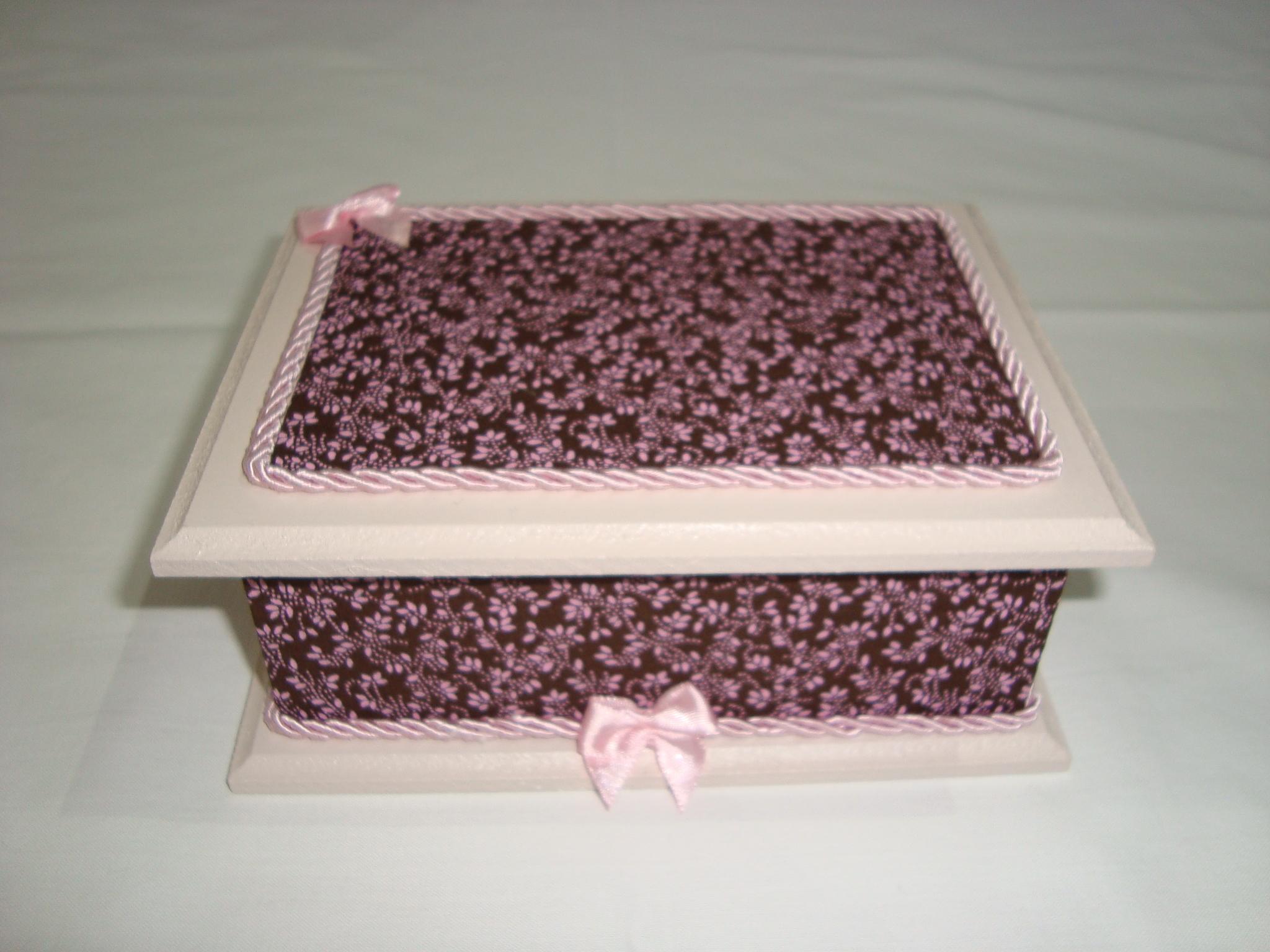 caixa de madeira decorada com tecido caixa de madeira decorada com  #844756 2048x1536