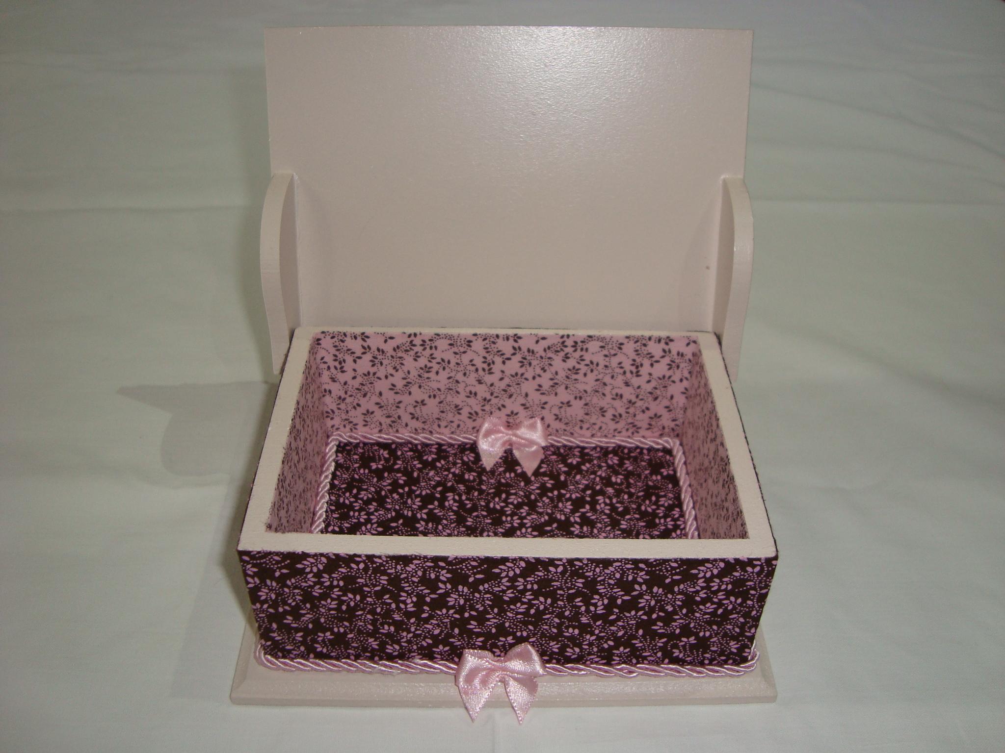 caixa de madeira decorada com tecido caixa de madeira decorada com  #372123 2048x1536