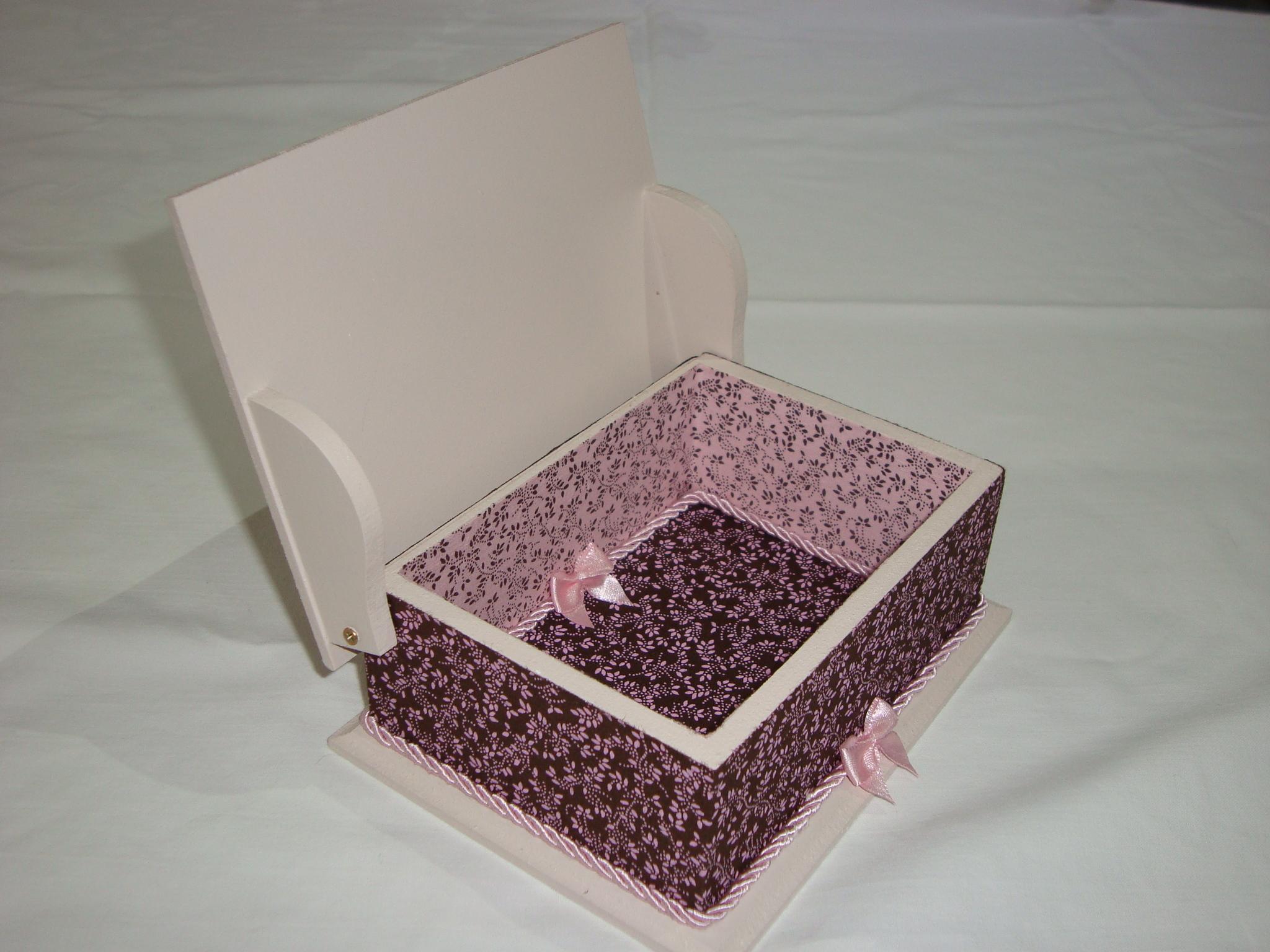 caixa de madeira decorada com tecido caixa de madeira decorada com  #3F2627 2048x1536