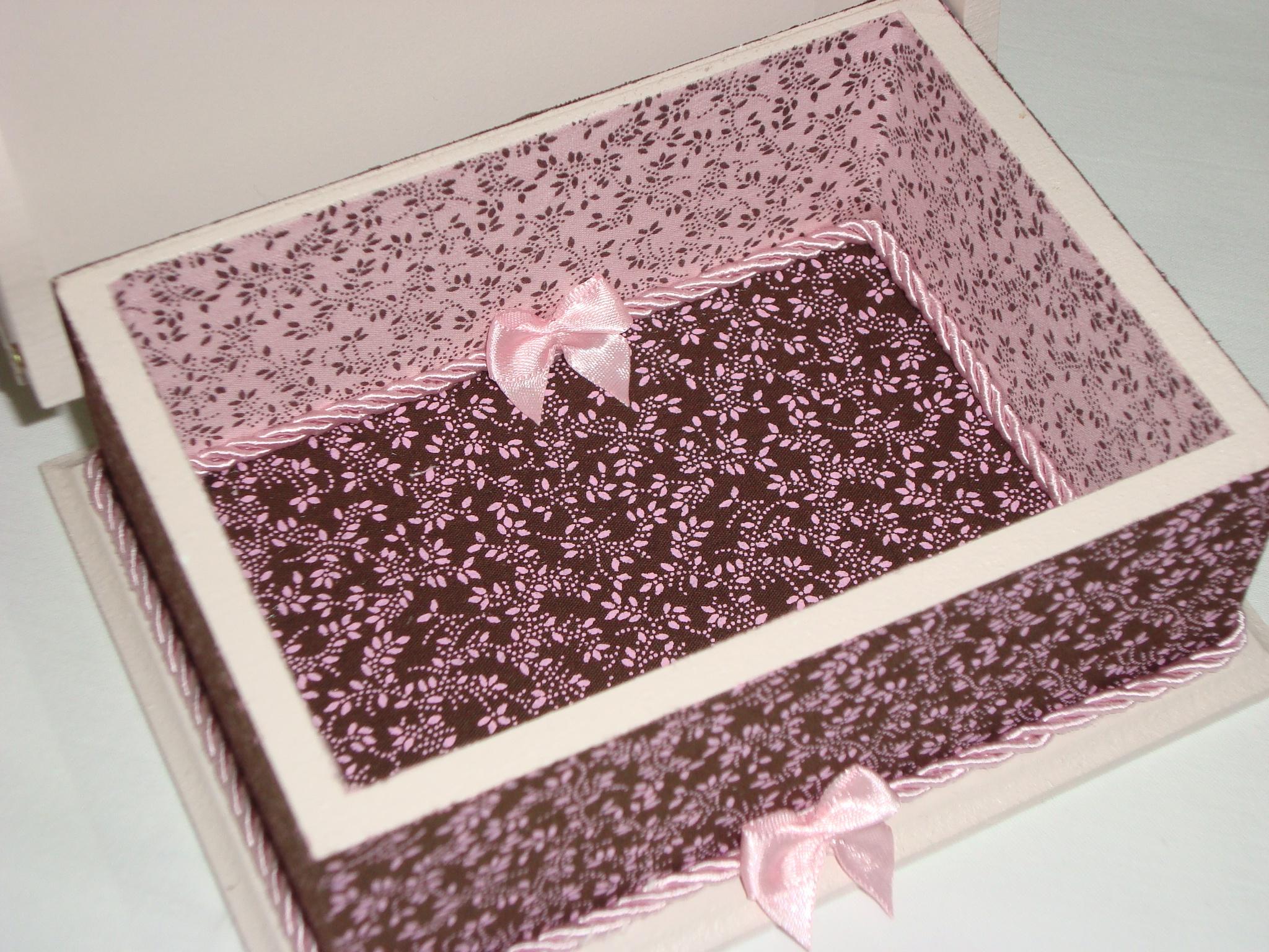 com tecido caixa de madeira decorada com tecido caixa de madeira  #492824 2048x1536