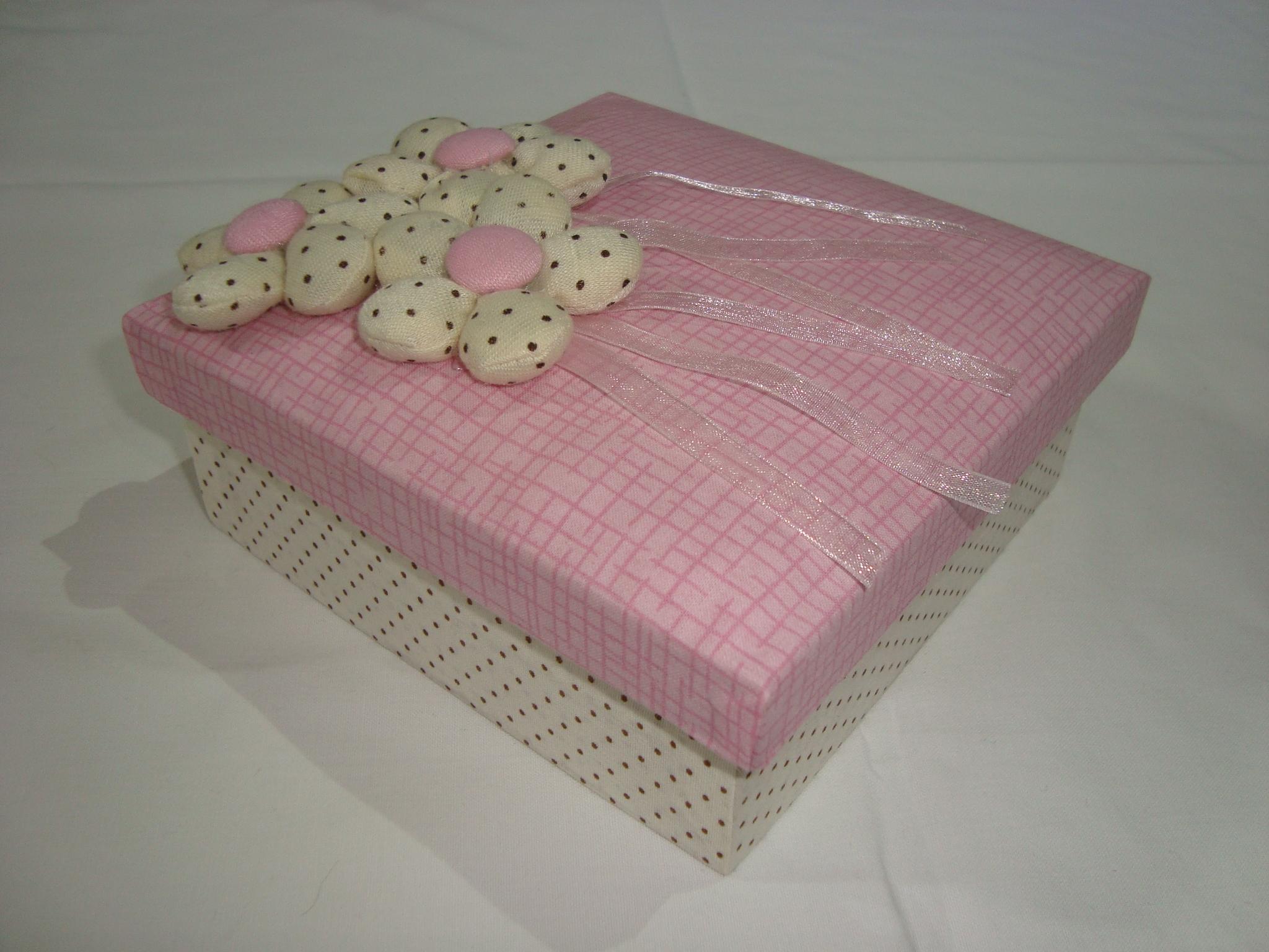 caixa decorada com flores de tecido caixa decorada com flores de  #473024 2048x1536