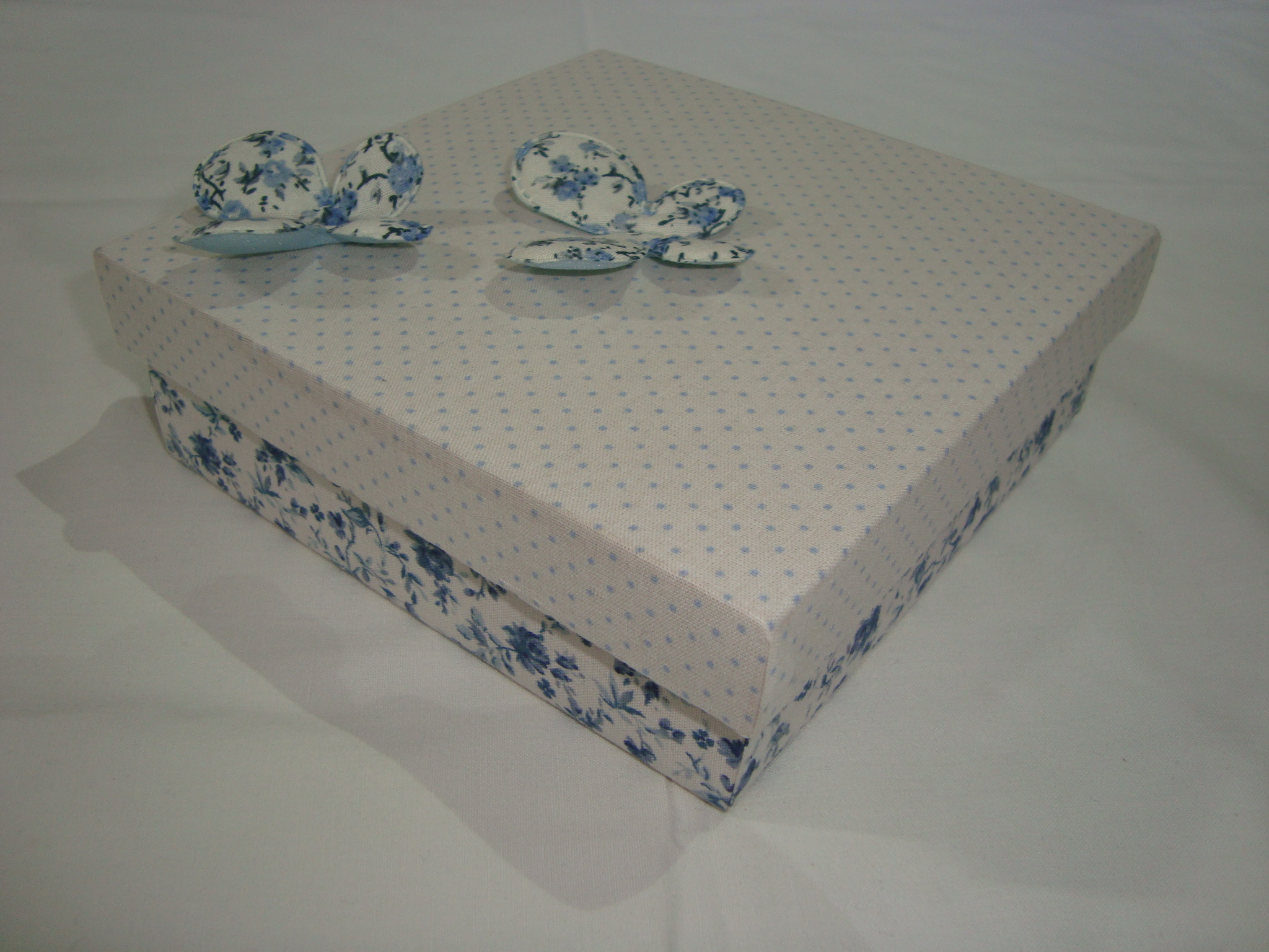 caixa de madeira revestida de tecido caixa de madeira revestida de #414E5C 2048x1536