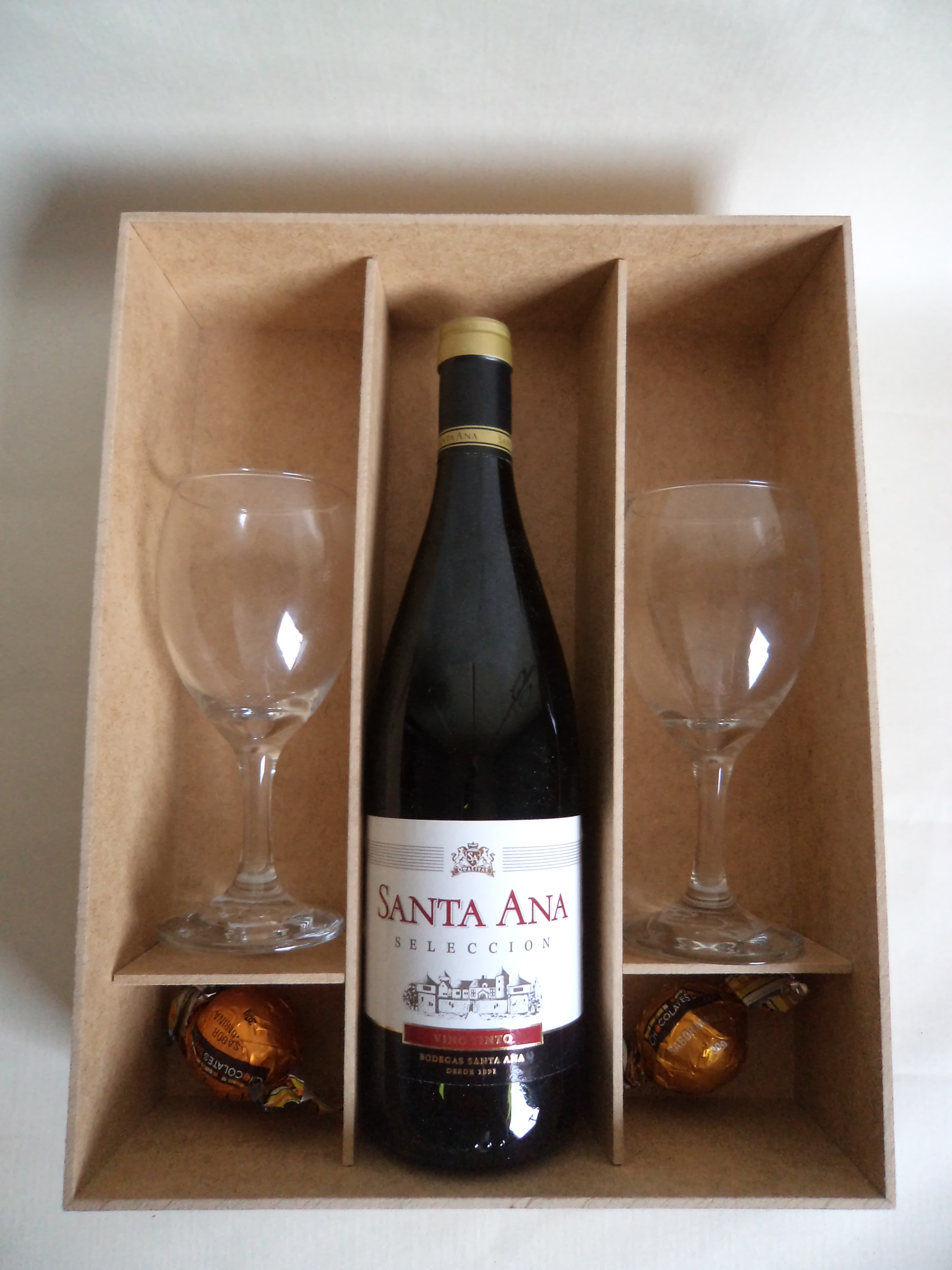 caixa vinho tacas e doces caixa vinho tacas e doces #69452C 3240x4320