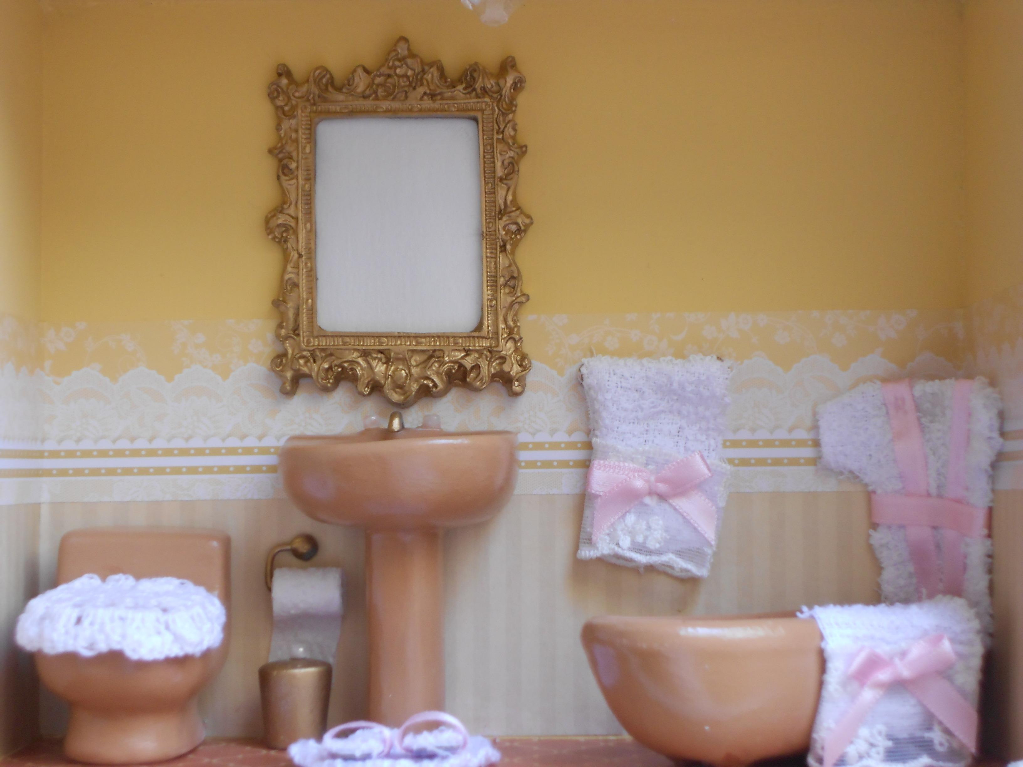 marrom quadro miniatura lavabo marrom quadro miniatura lavabo marrom #8D6B3E 3264x2448 Banheiro Amarelo E Marrom