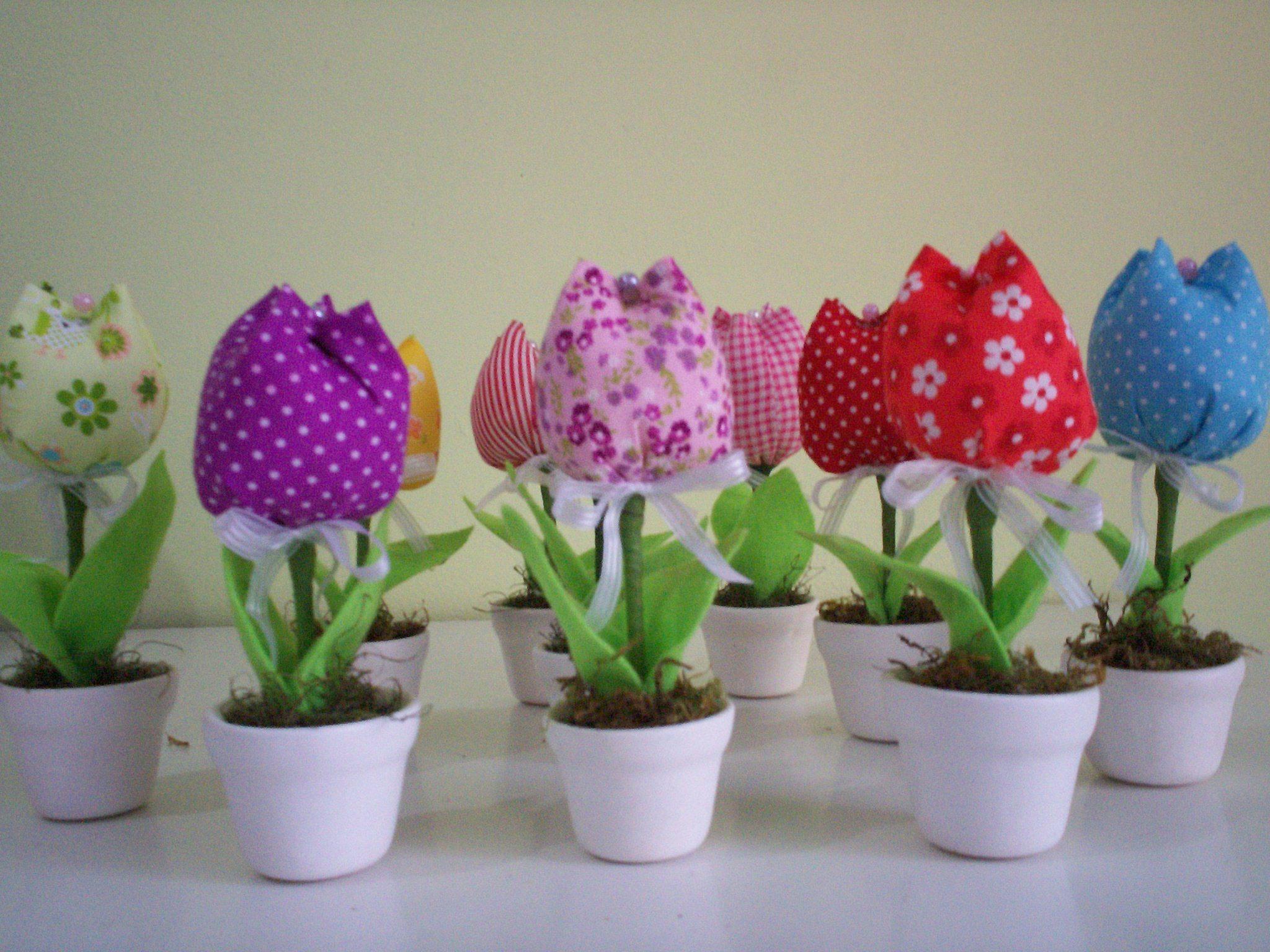 enfeite de mesa aniversario jardim encantado:lembrancinha enfeite de mesa c 1 tulipa lembrancinha enfeite de