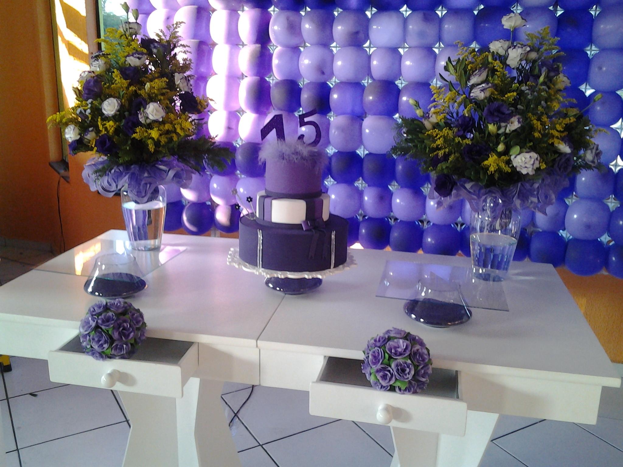 Aluguel mesa 15 anos roxo e lil s festa glamour for Cubre sillas para 15 anos