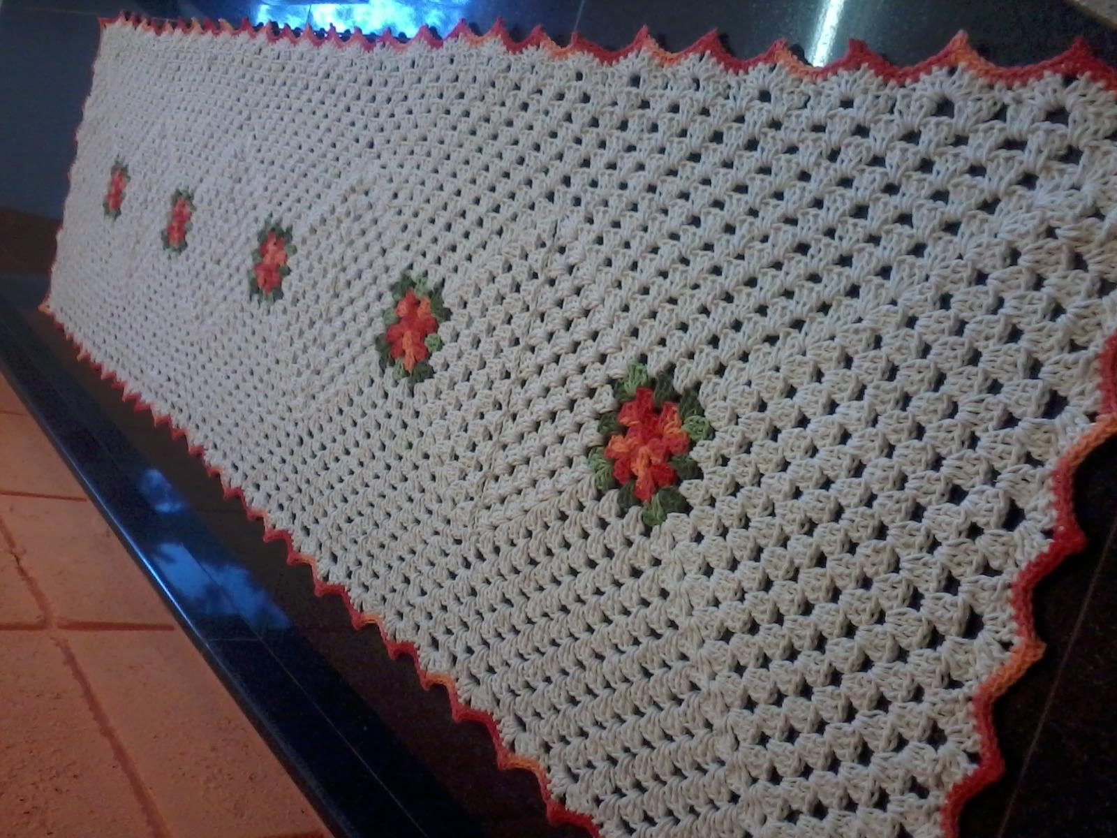 tapete barbante redondo flores croch bella crochetando. Black Bedroom Furniture Sets. Home Design Ideas