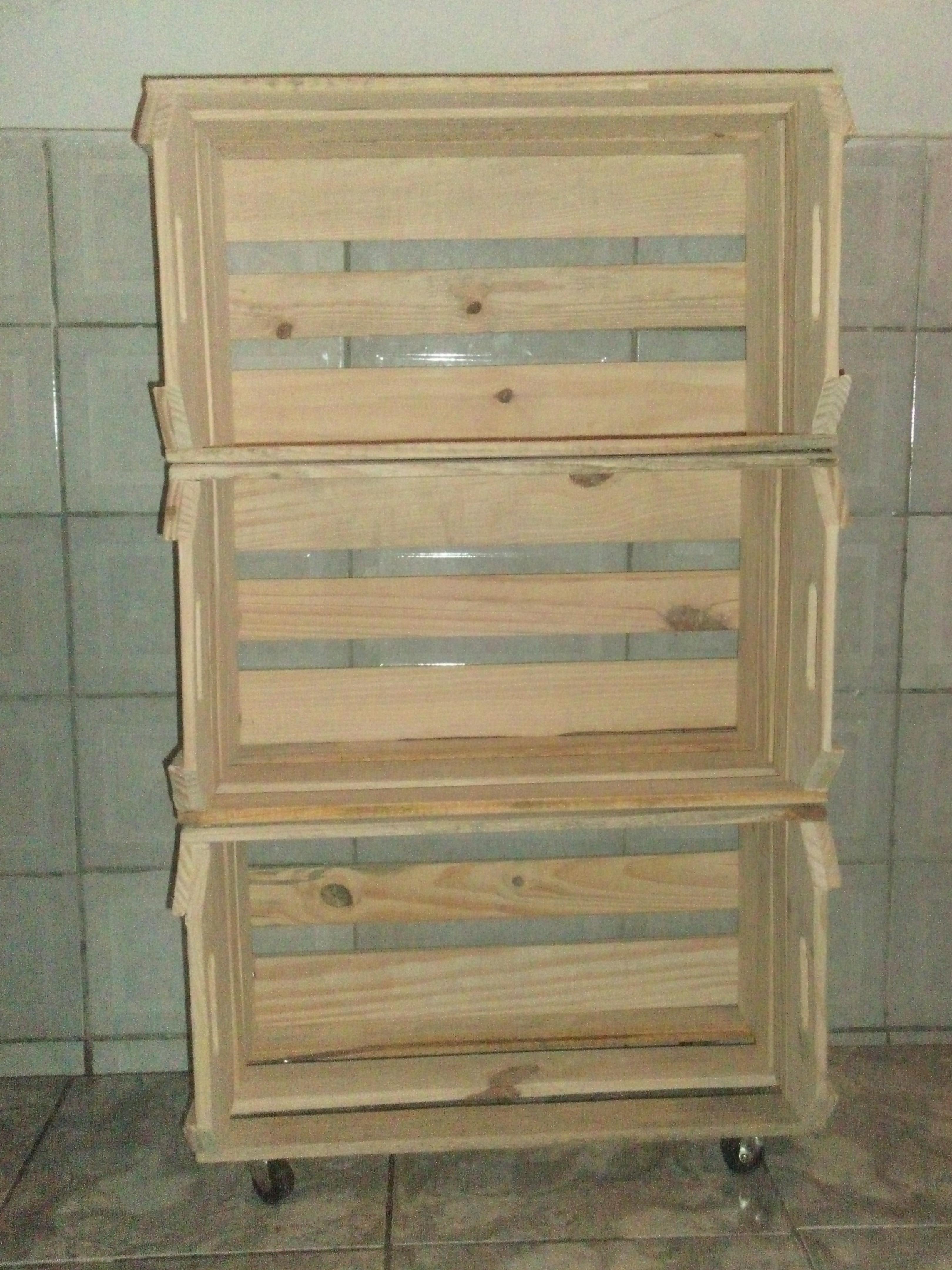 caixote de feira estante com rodizios caixote de feira estante #8D6F3E 3240x4320
