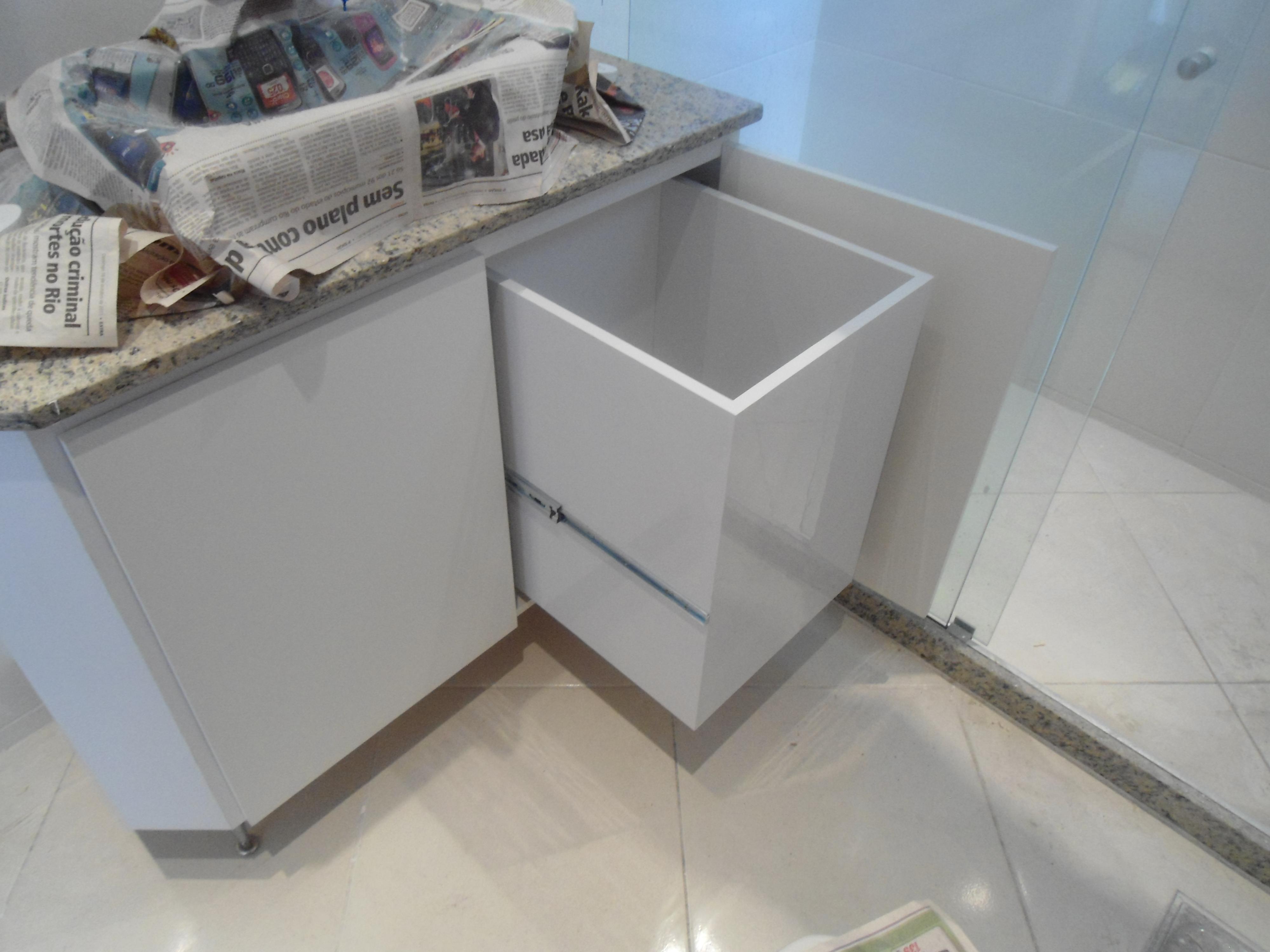 Armário de banheiro  LeandroGPmóveis  Elo7 -> Como Fazer Um Armario De Banheiro De Mdf