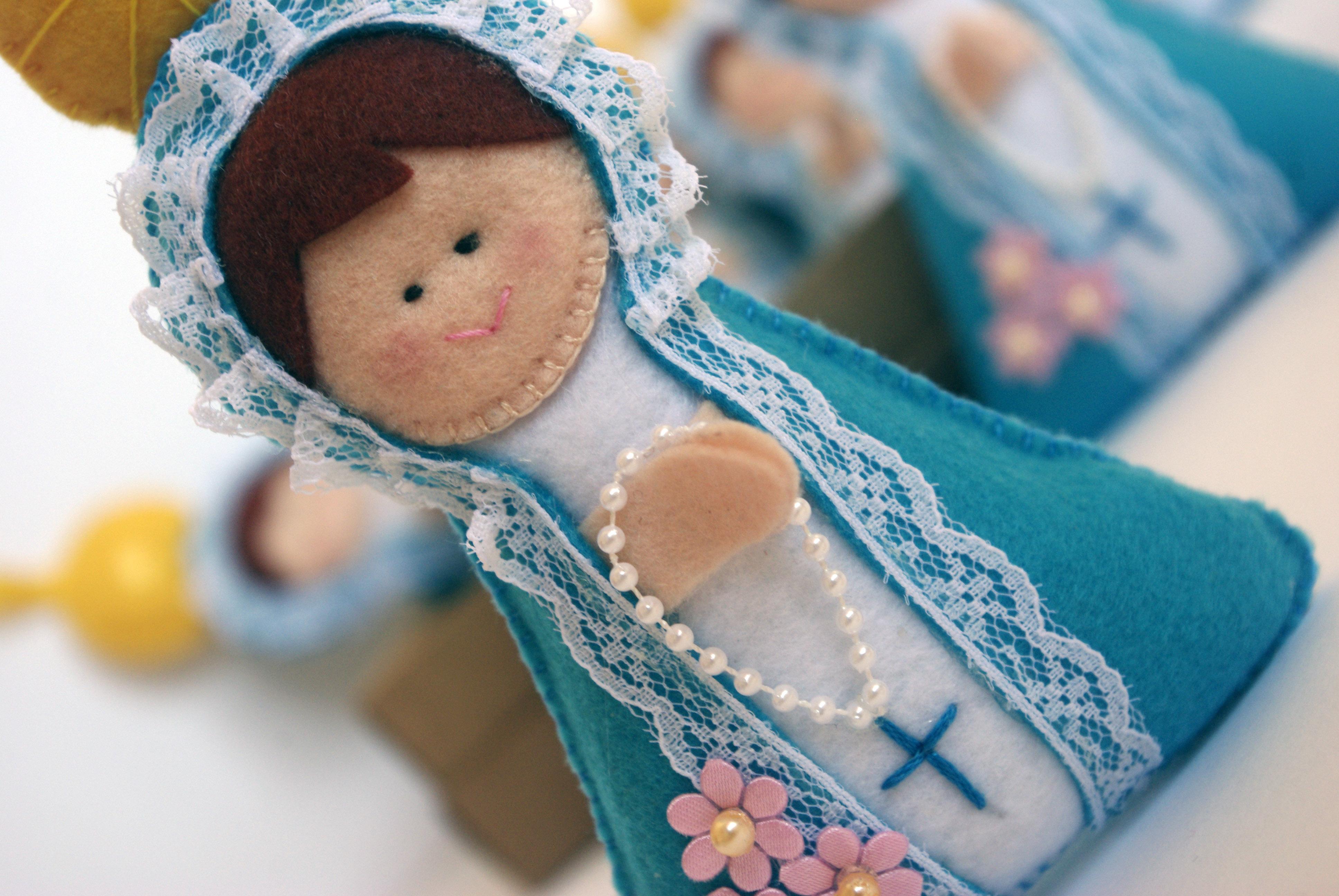 http://img.elo7.com.br/product/original/7F58D7/maezinha-do-ceu-lembranca-de-batismo-lembranca.jpg