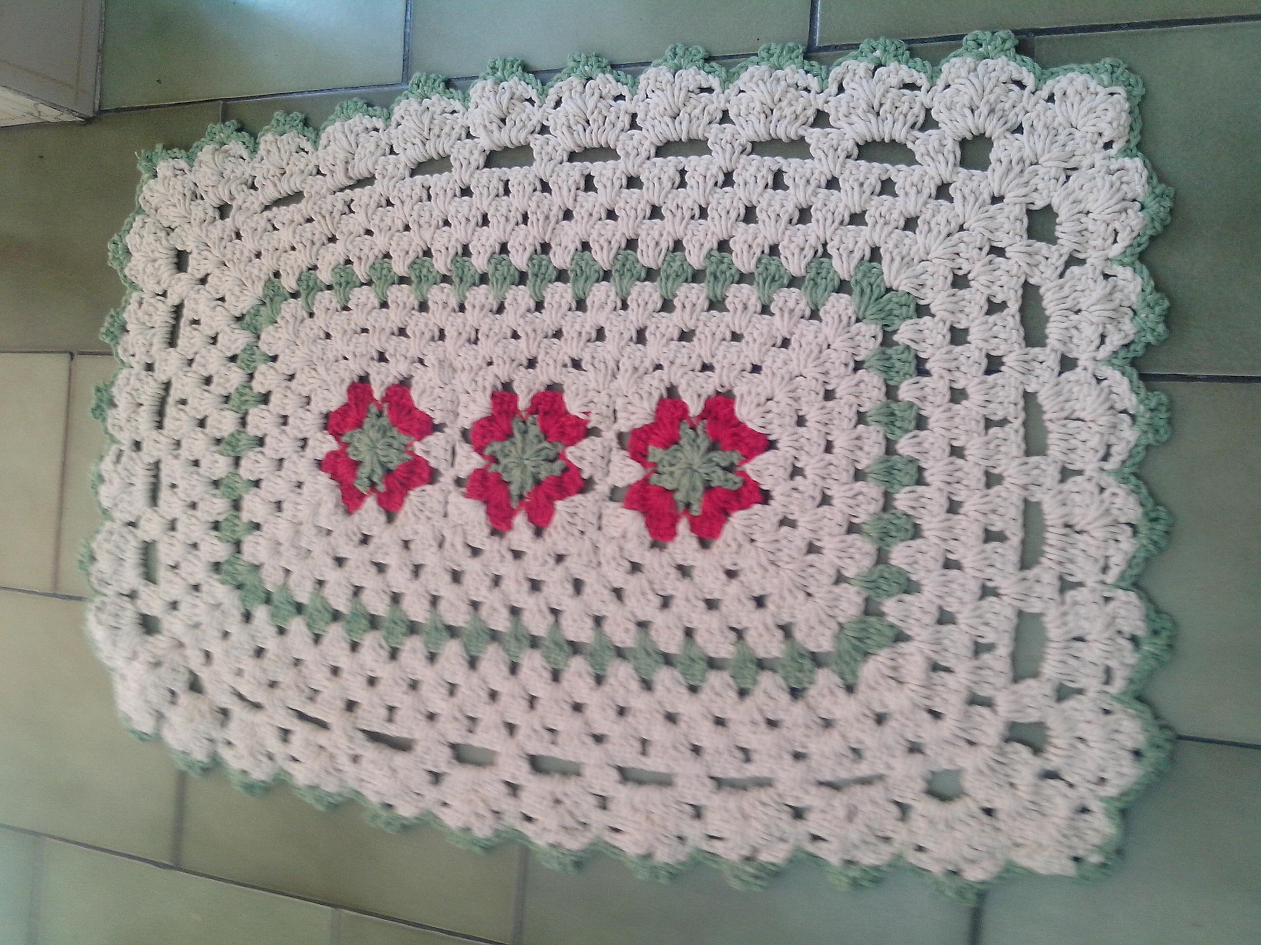 tapetes de crochê com flores retangular
