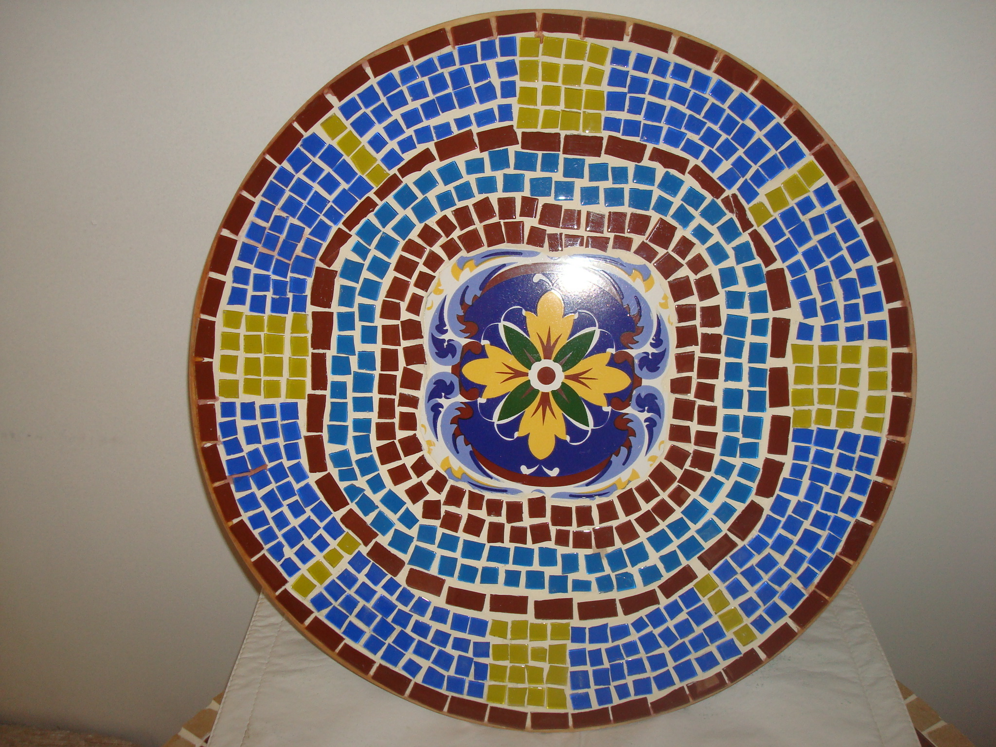 Prato girat rio em mosaico de azulejo m os em arte for Azulejo mosaico