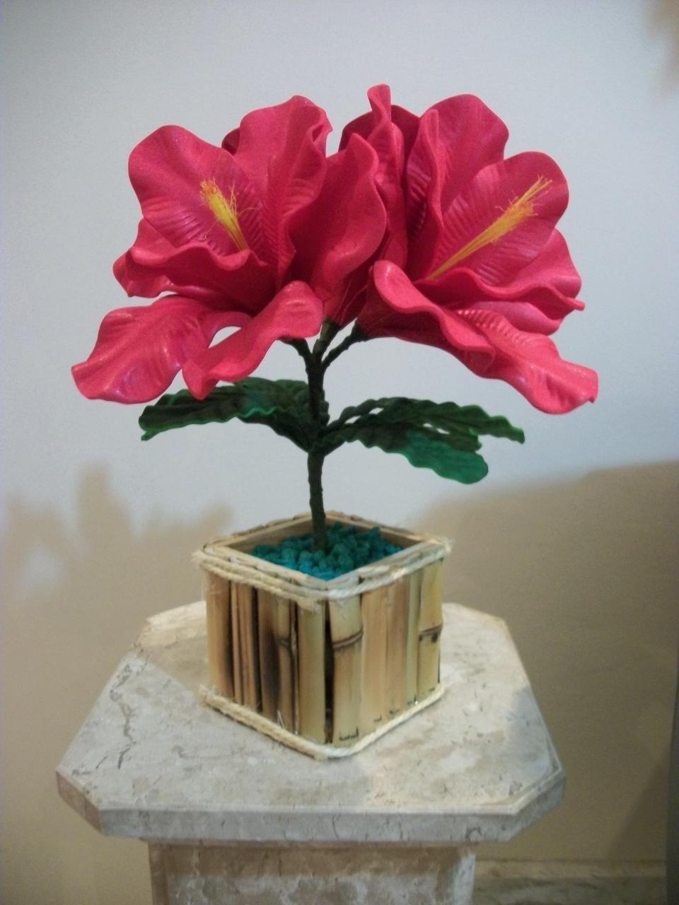Arranjo de flores em eva amarilis vanessa artesanatos pictures for Amarilis decoration