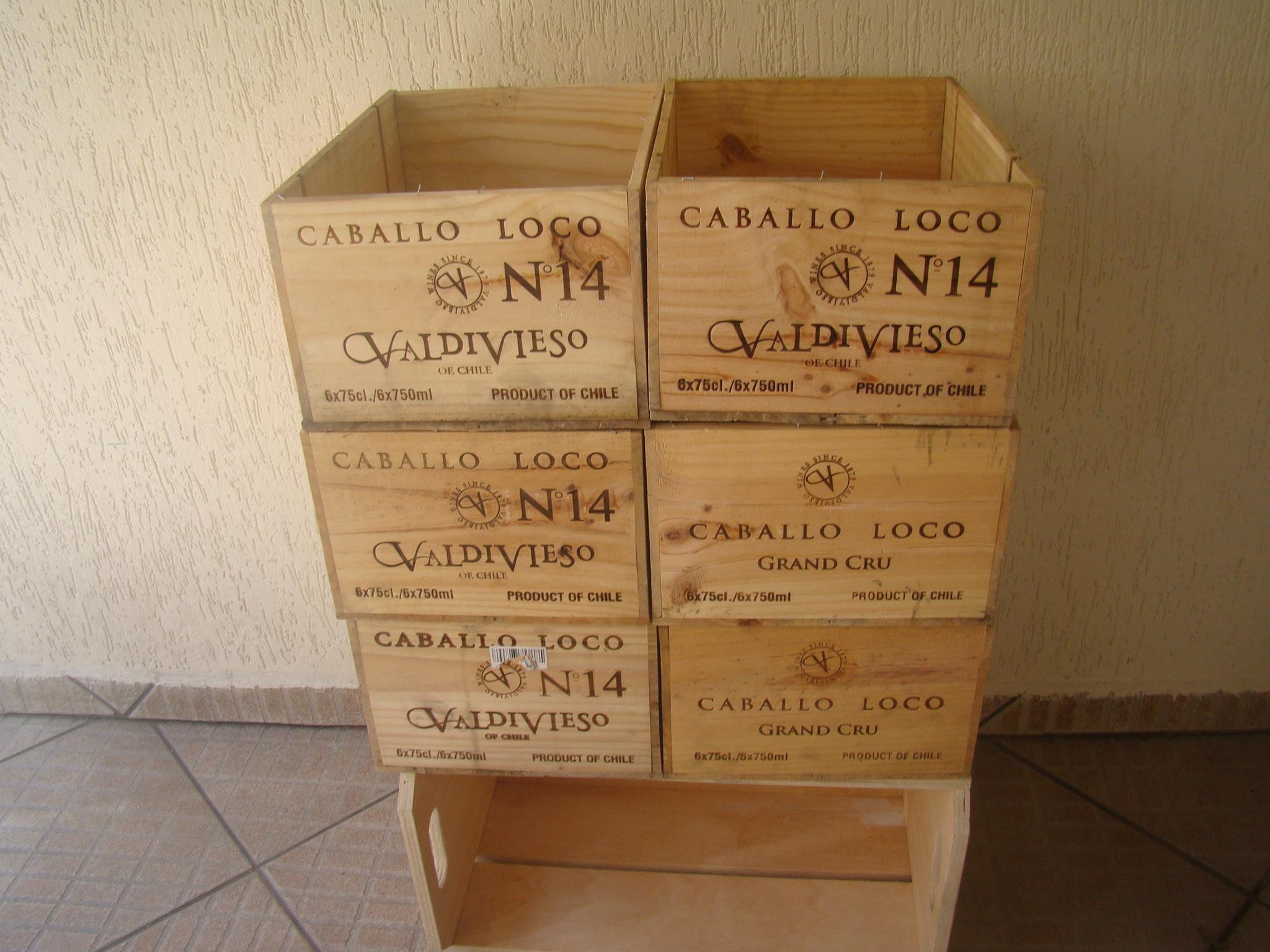 caixas de madeira de vinho parede caixas de madeira de vinho caixas de #342012 2048x1536