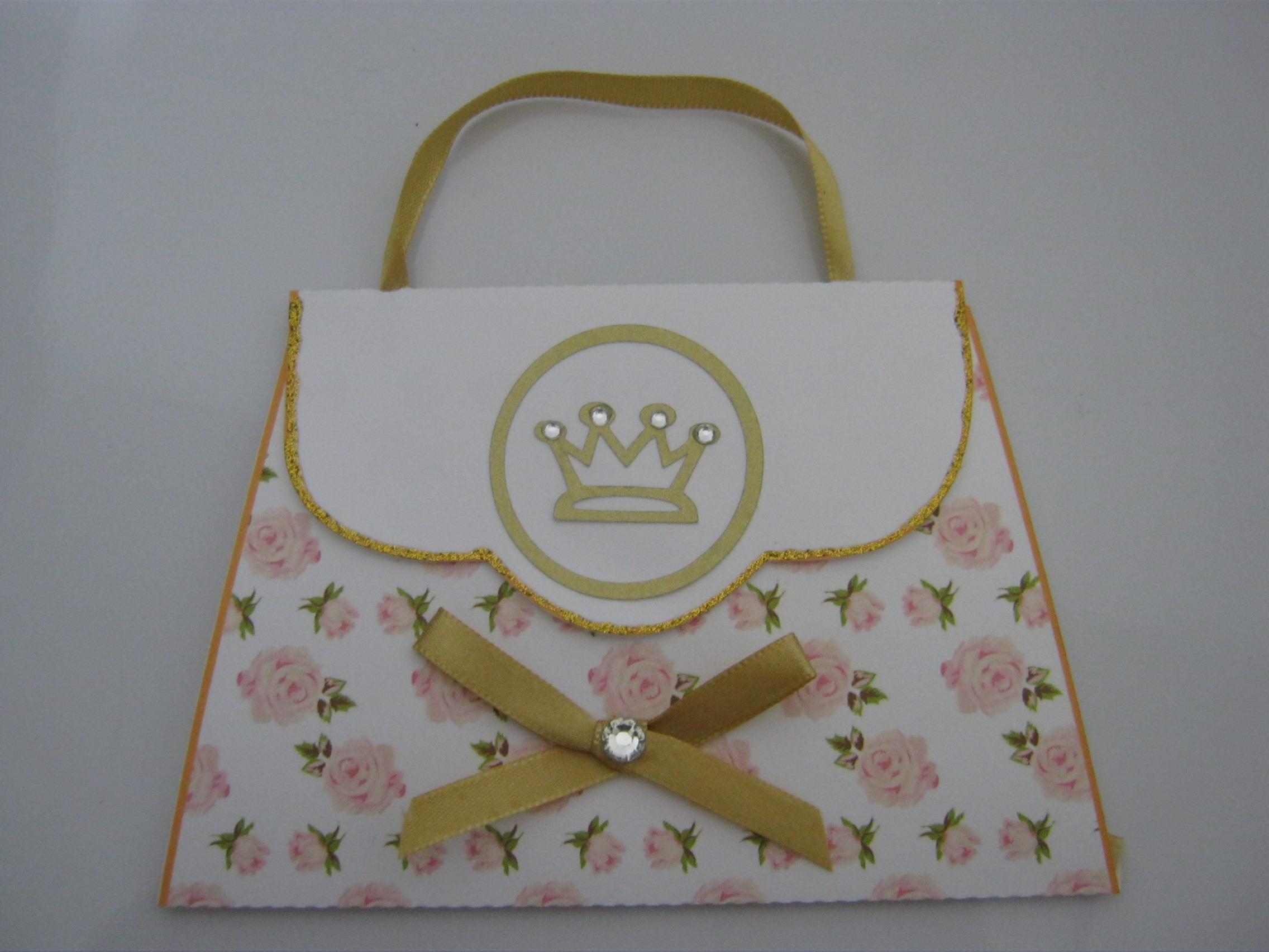 Bolsa Dourada De Bebe : Convite bolsa com coroa dourada borboletta azul elo