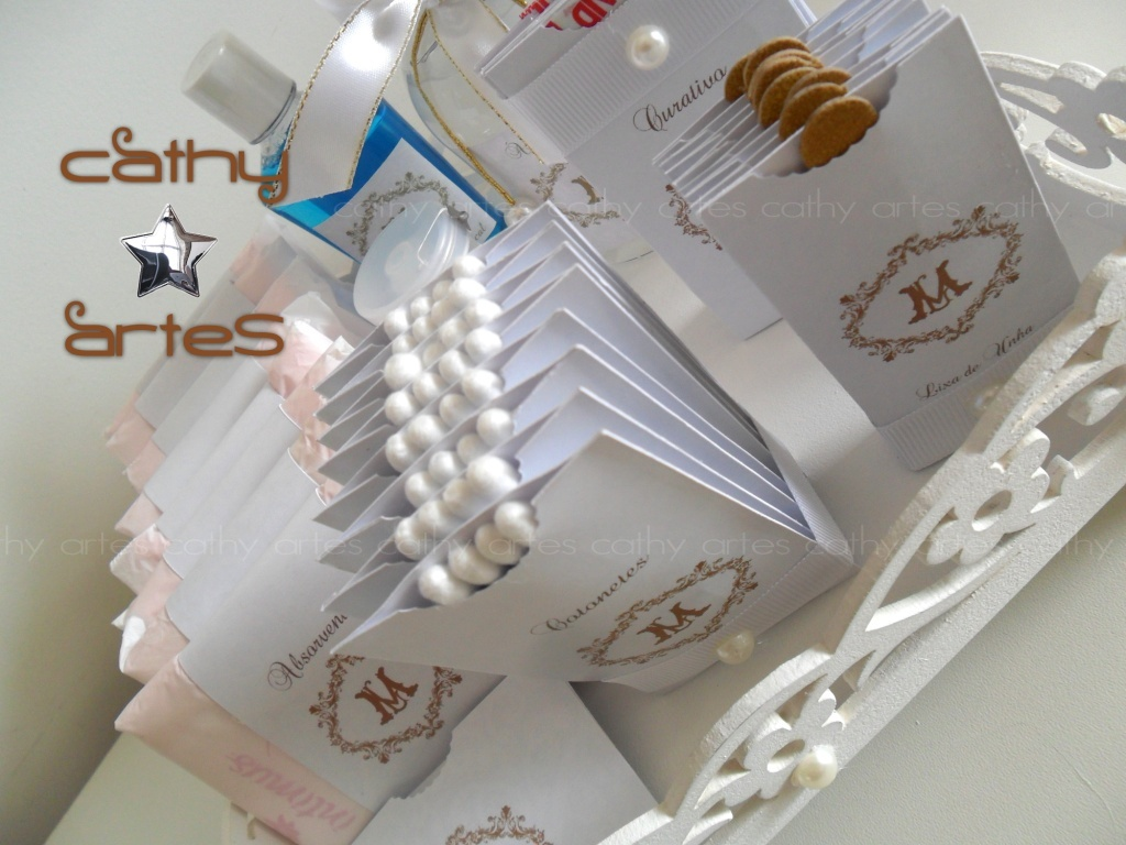 KIT LAVABO BRANCO COM DOURADO CATHY ARTES Elo7 -> Decoracao De Batizado Branco Com Dourado