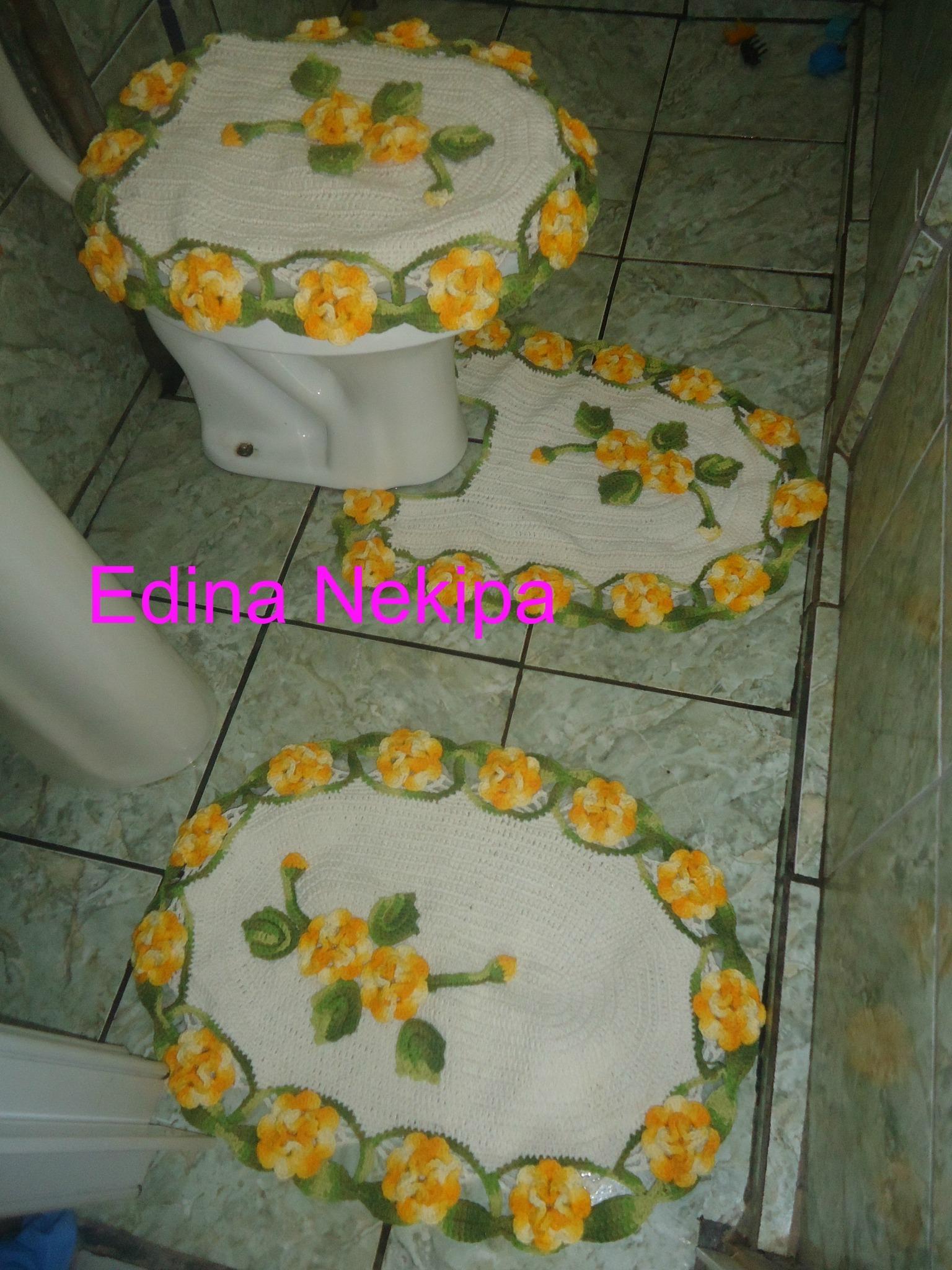 Tapete Floral Para Banheiro : Jogo de tapetes para banheiro com flores Edina Nekipa Croche Elo7