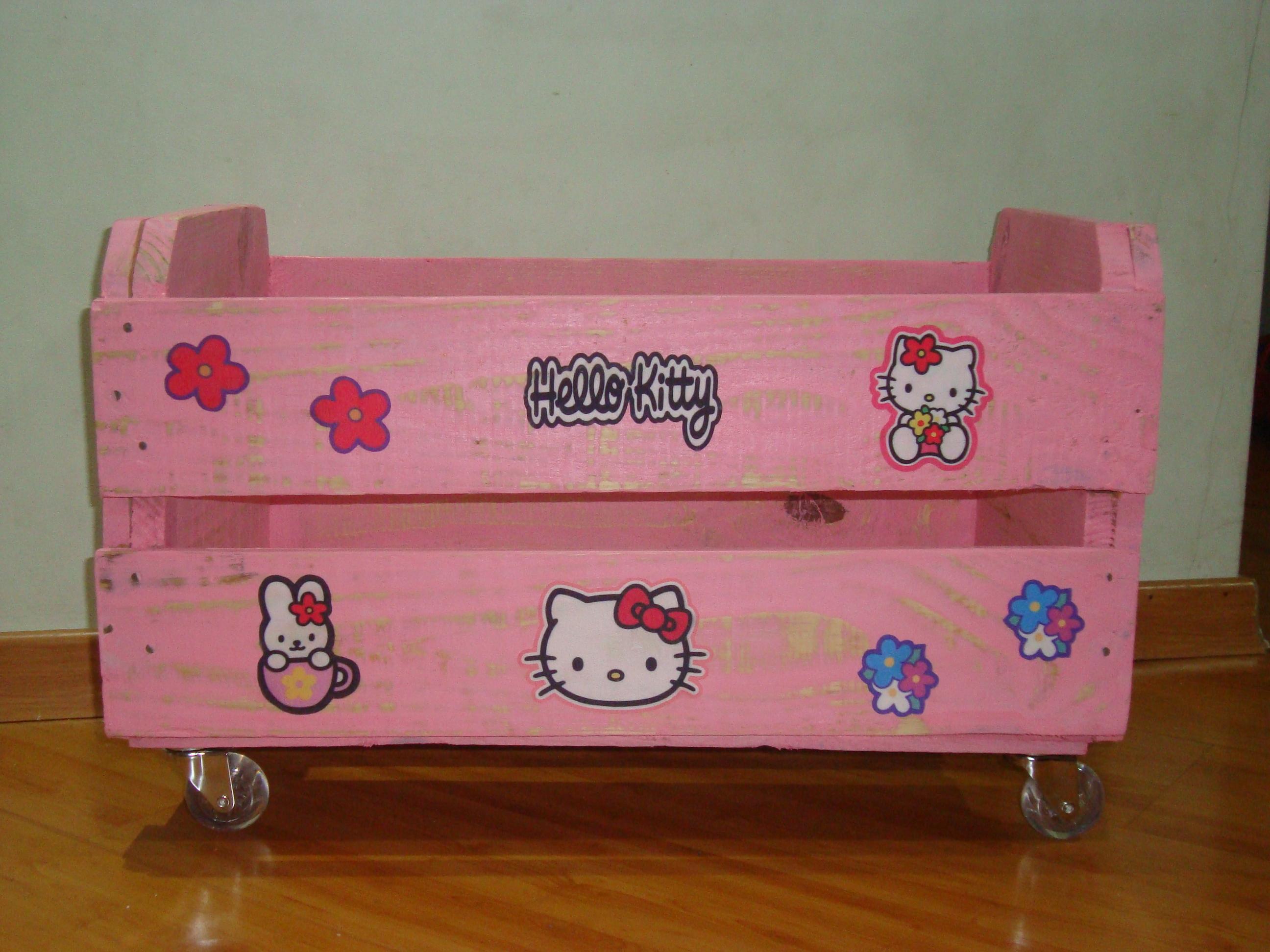 caixote de madeira decoradp com rodizios caixa de feira caixote de #753C16 2592x1944