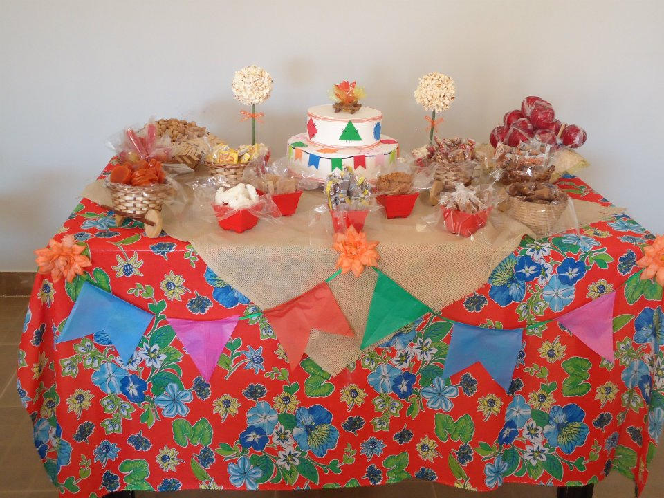... de festa junina Decora??o de festa junina # decoracao festa junina