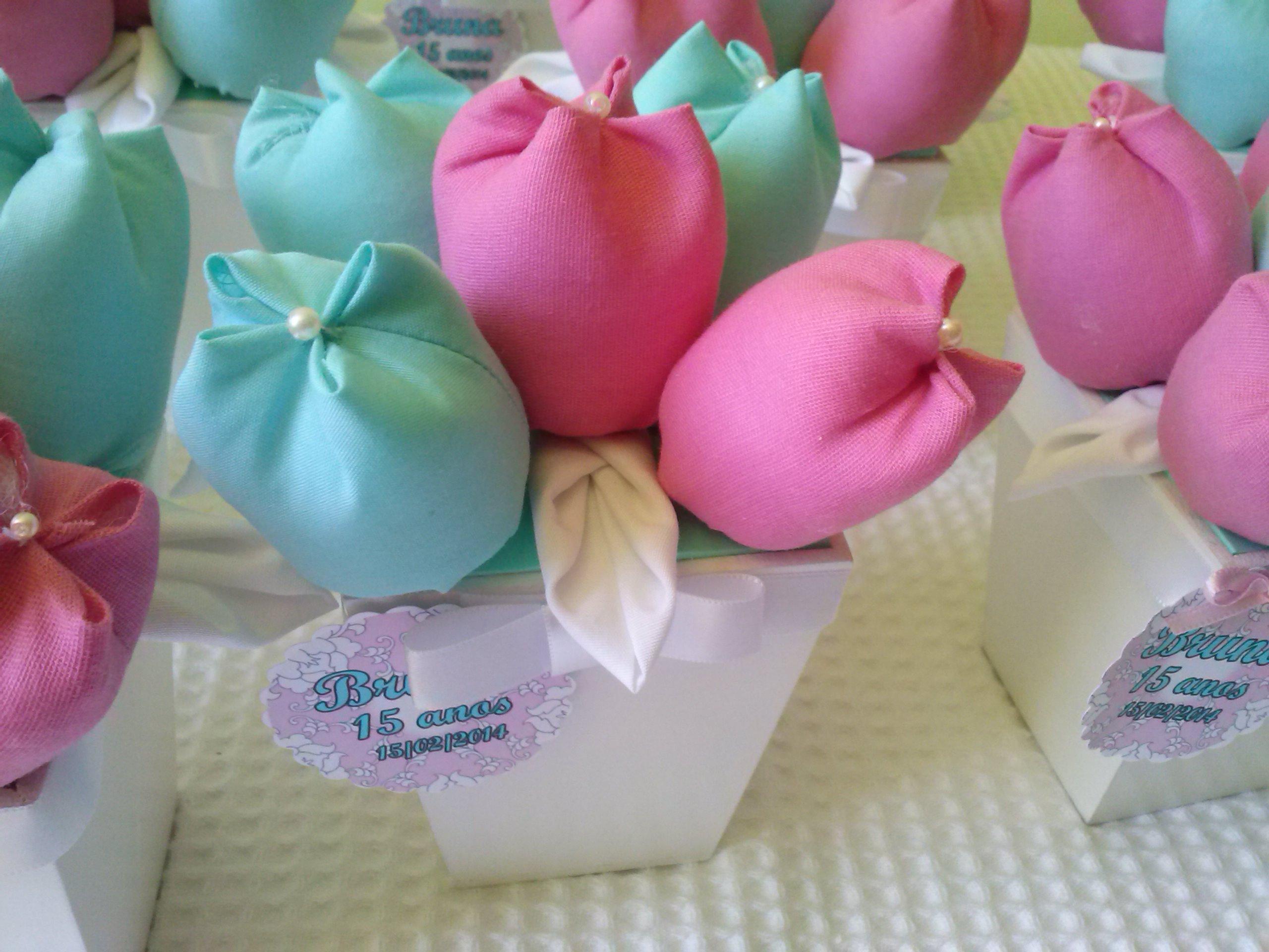 Tulipas azul tiffany e rosa Nina Nenê e Sachê Elo7 ~ Quarto Rosa E Azul Tiffany