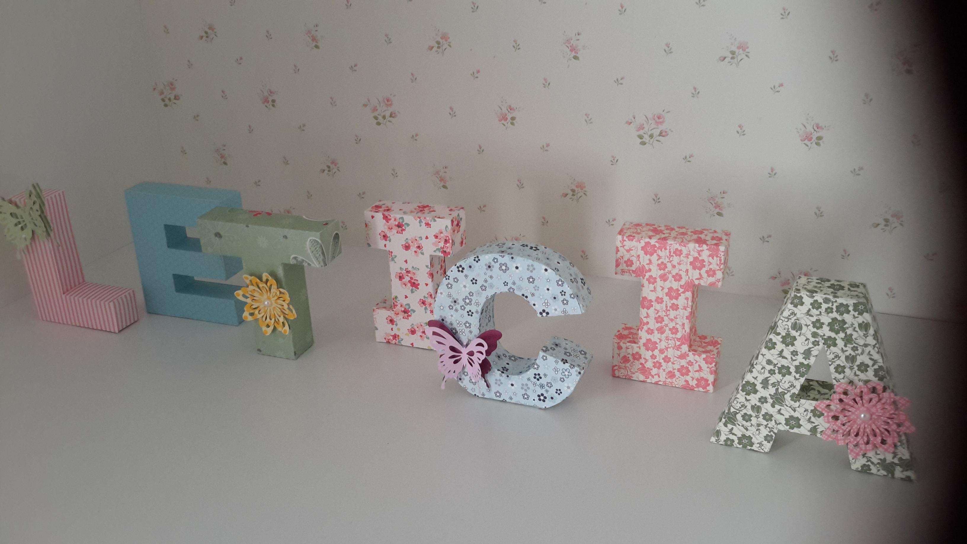 flores do jardim letra : flores do jardim letra:letras-3d-flores-e-borboletas-letras-3d-borboletas