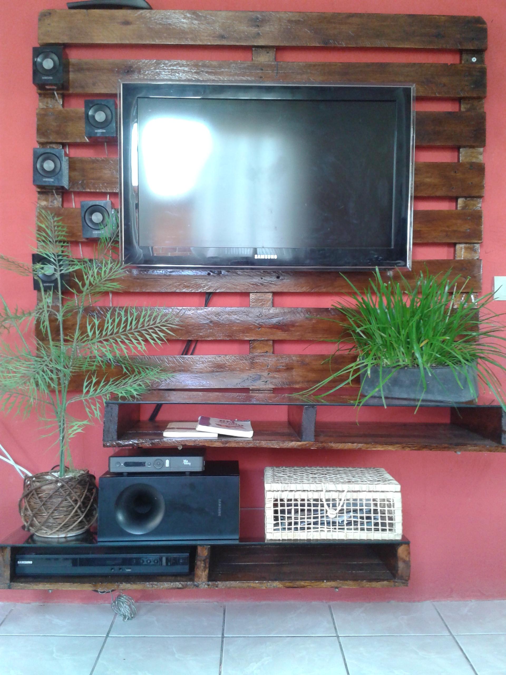 painel para tv painel para tv feito com paletes #347C97 1920x2560