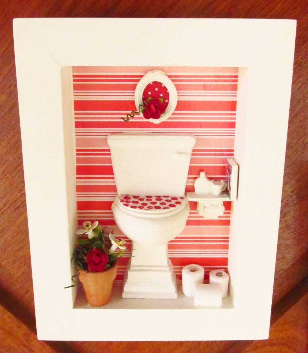 decoracao de banheiro vermelho e branco: branco-pia trio-de-quadros-vermelho-e-branco-roombox-para-banheiros
