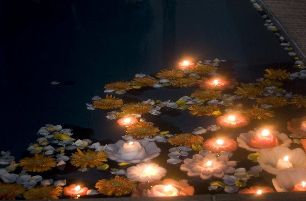 Vela flutuante de piscina lavanda decoracoes elo7 - Velas para piscinas ...