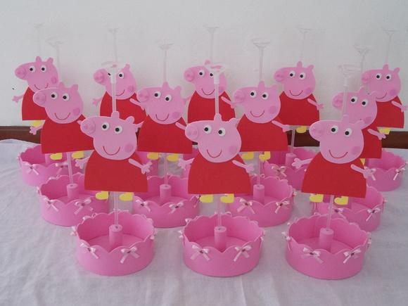 Centro de mesa peppa pig elainephotomontagens elo7 for Mesa de peppa pig