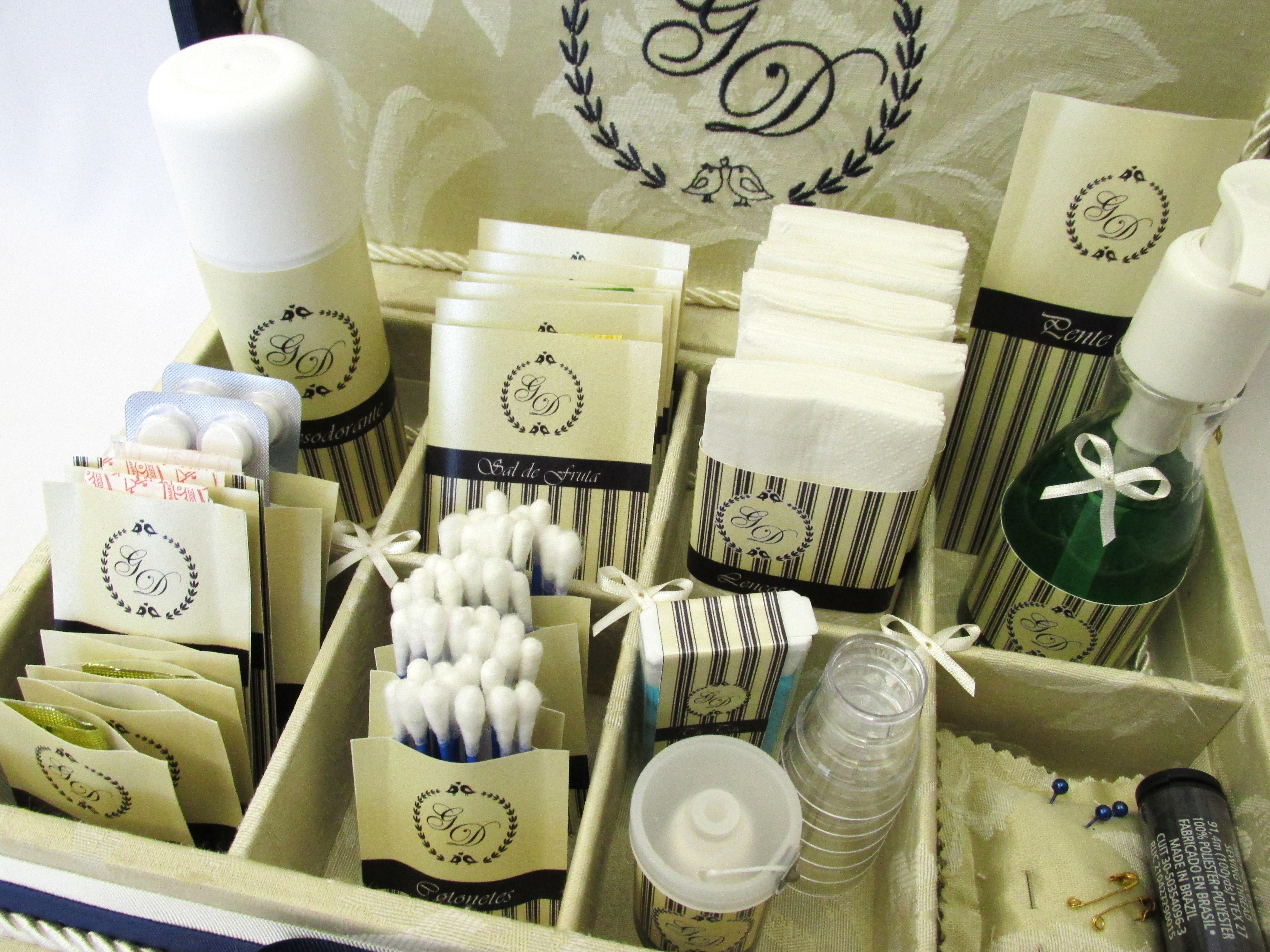 Kit Para Banheiro No Casamento : Caixa kit toalete bordada p casamento divina elo
