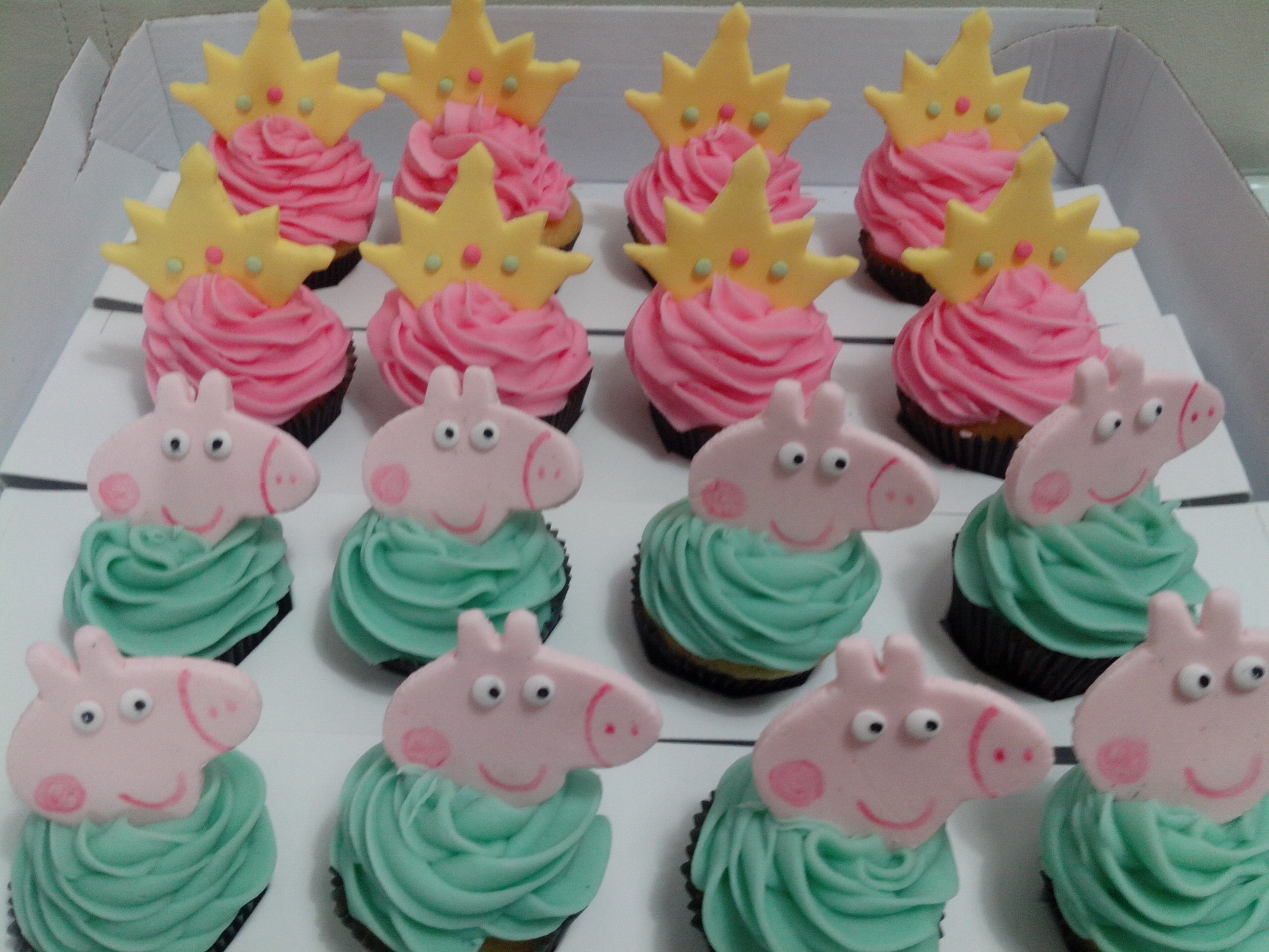 Peppa Pig Cupcakes Cake Ideas and Designs