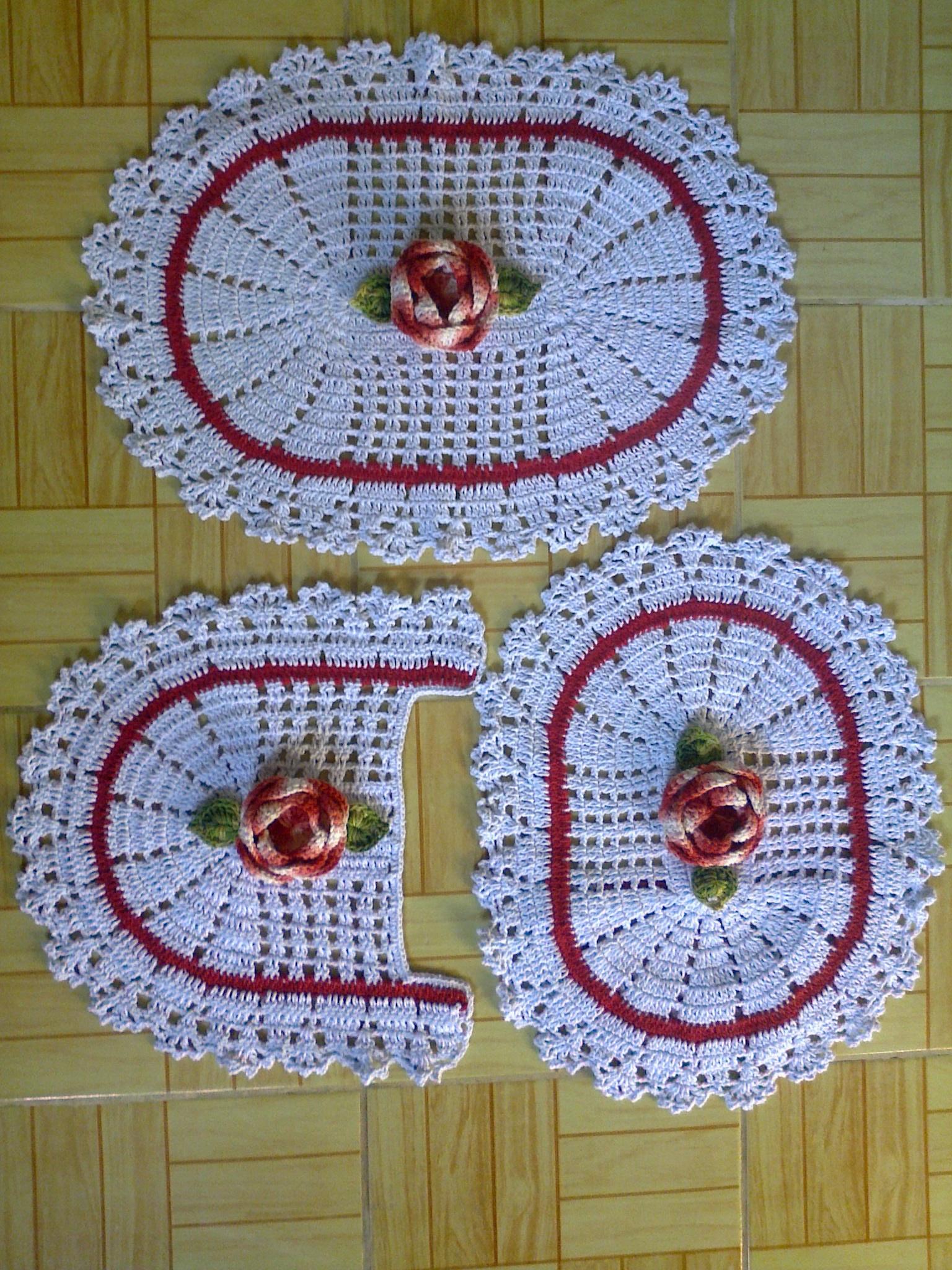 Jogo de Banheiro em Crochê com Flores  Mania de Crochê Artesanato  Elo7 -> Jogo De Banheiro Simples Oval Passo A Passo