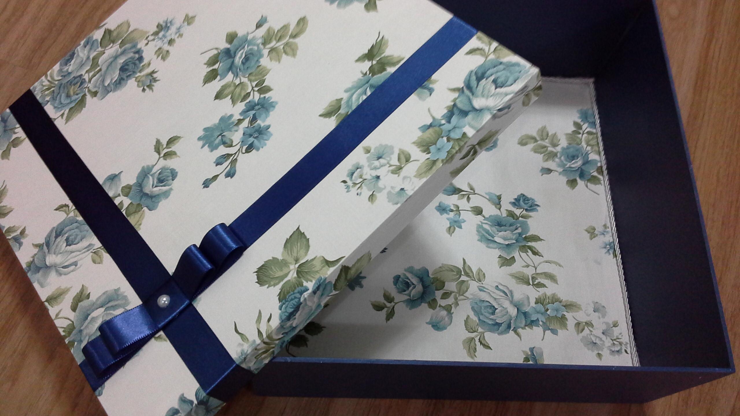 caixa quadrada 30 x 30 cm caixa decorada #293E6B 2560x1440