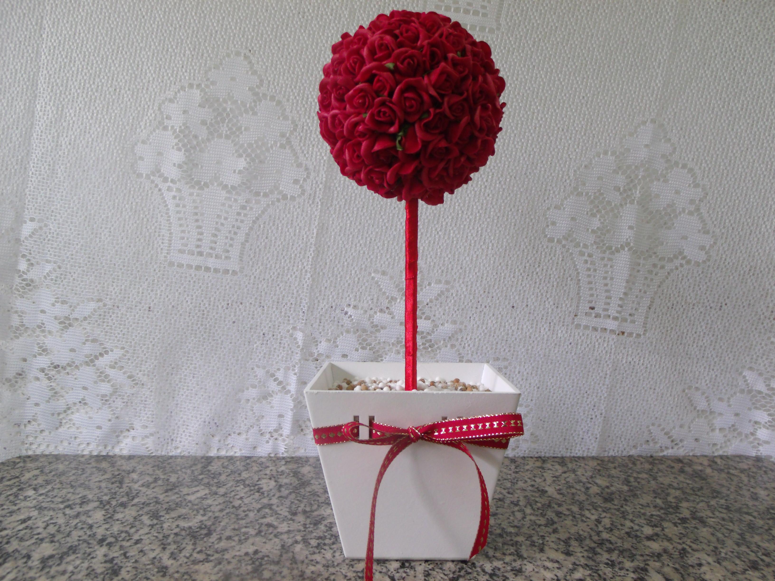 centro-de-mesa-topiaria-vermelho-enfeite-para-mesa-de-convidados